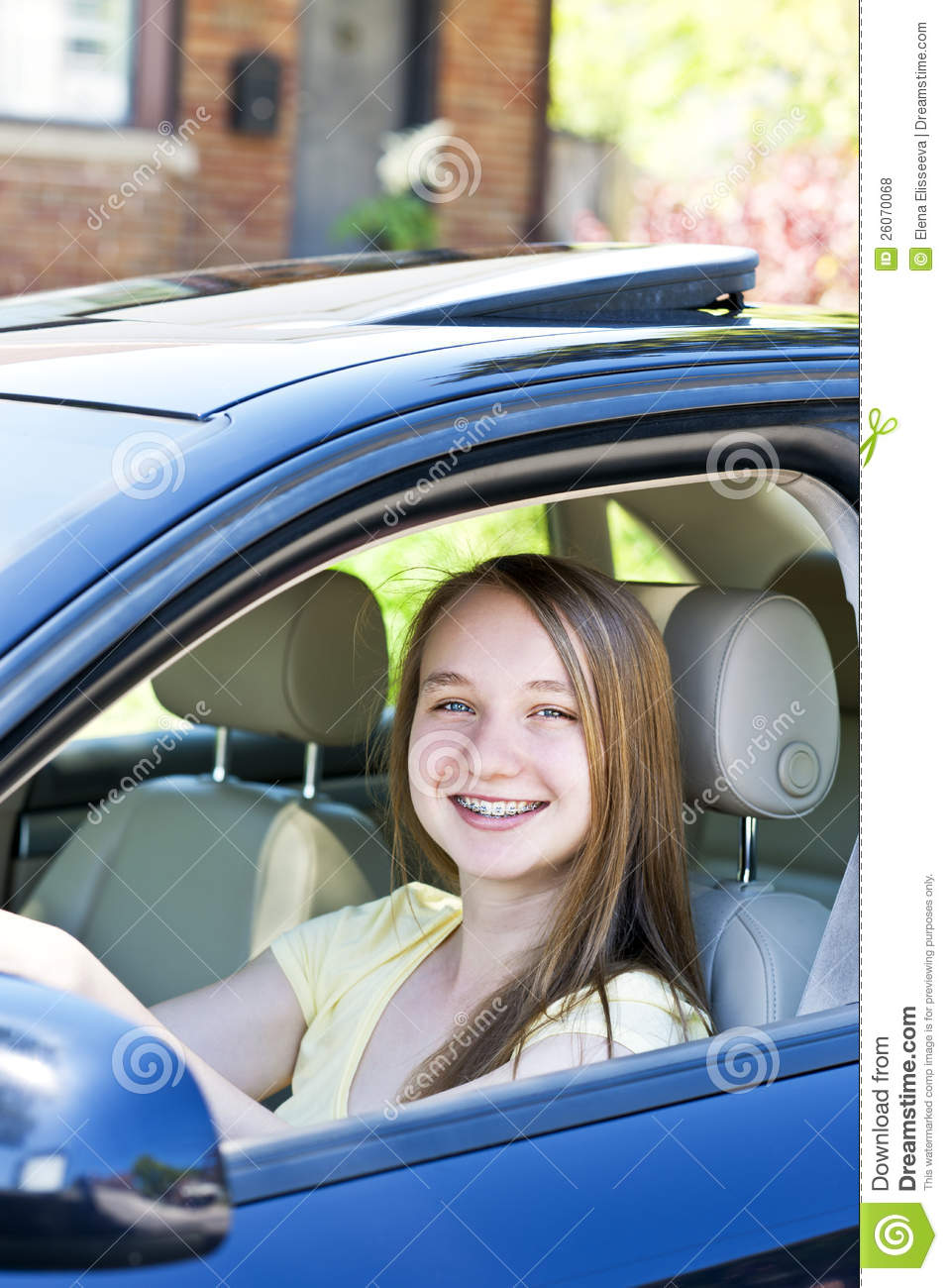 teenage girl learning to drive royalty free stock photos