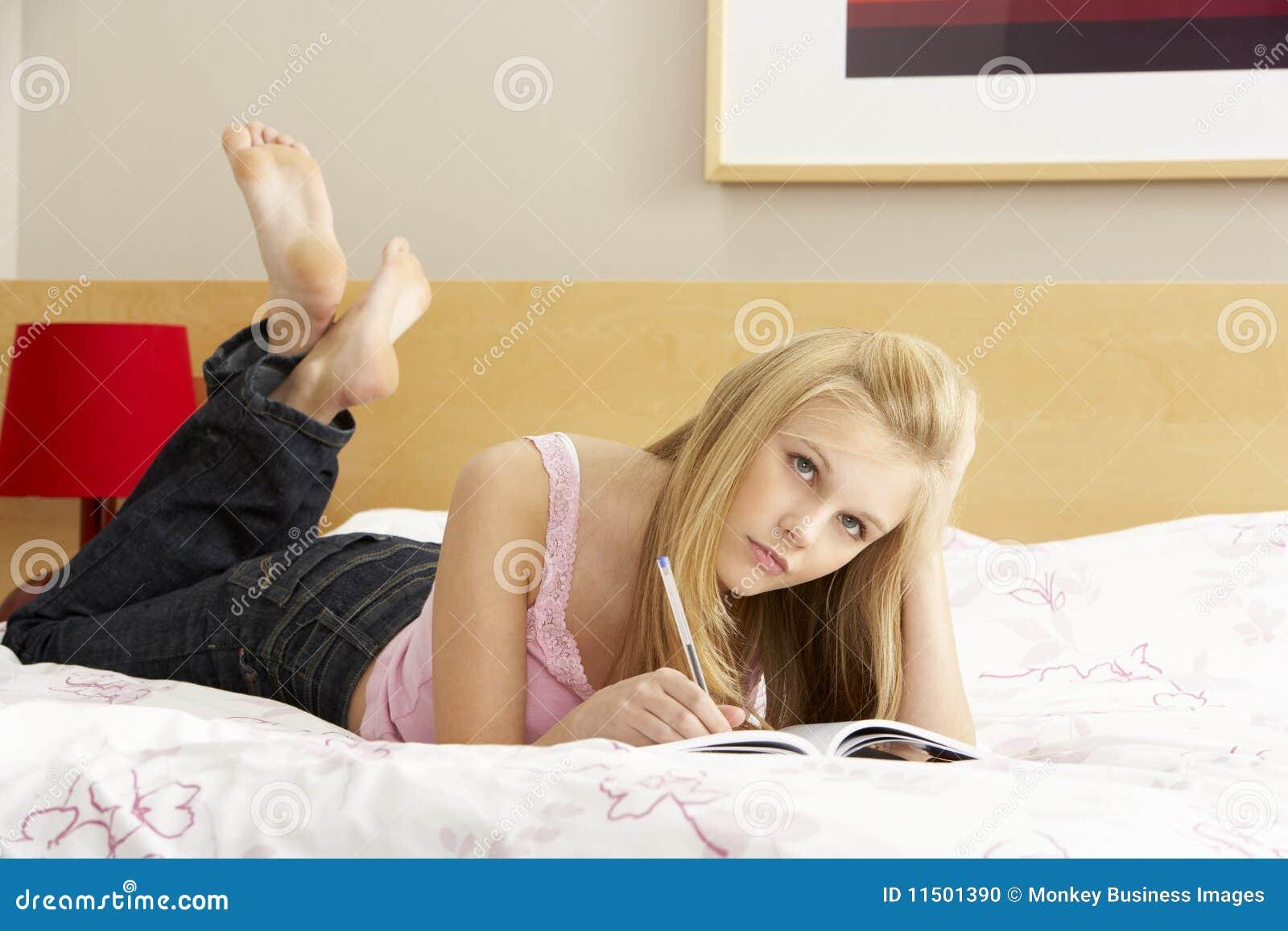 Смотреть как писают девочки фото 1 фотография