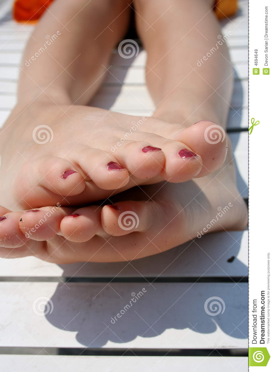 Teenager Feet Royalty Free Stock Images - Image 4694649-5586