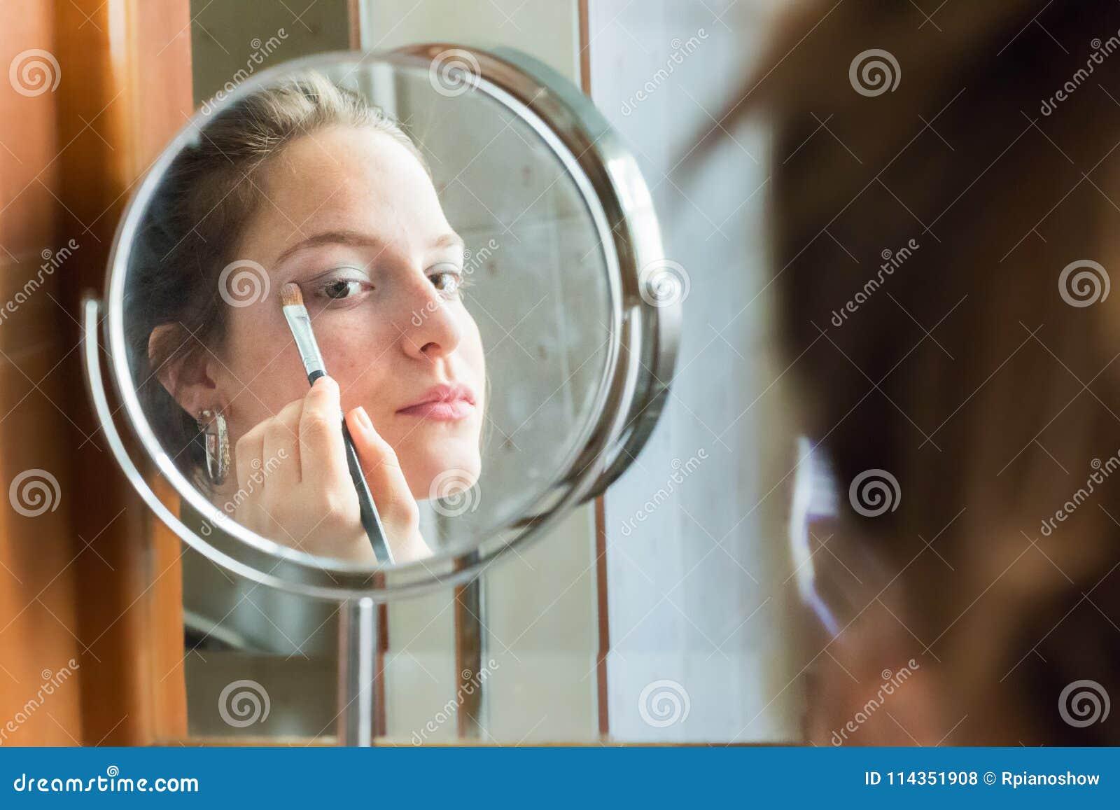 self Teen picture mirror girl