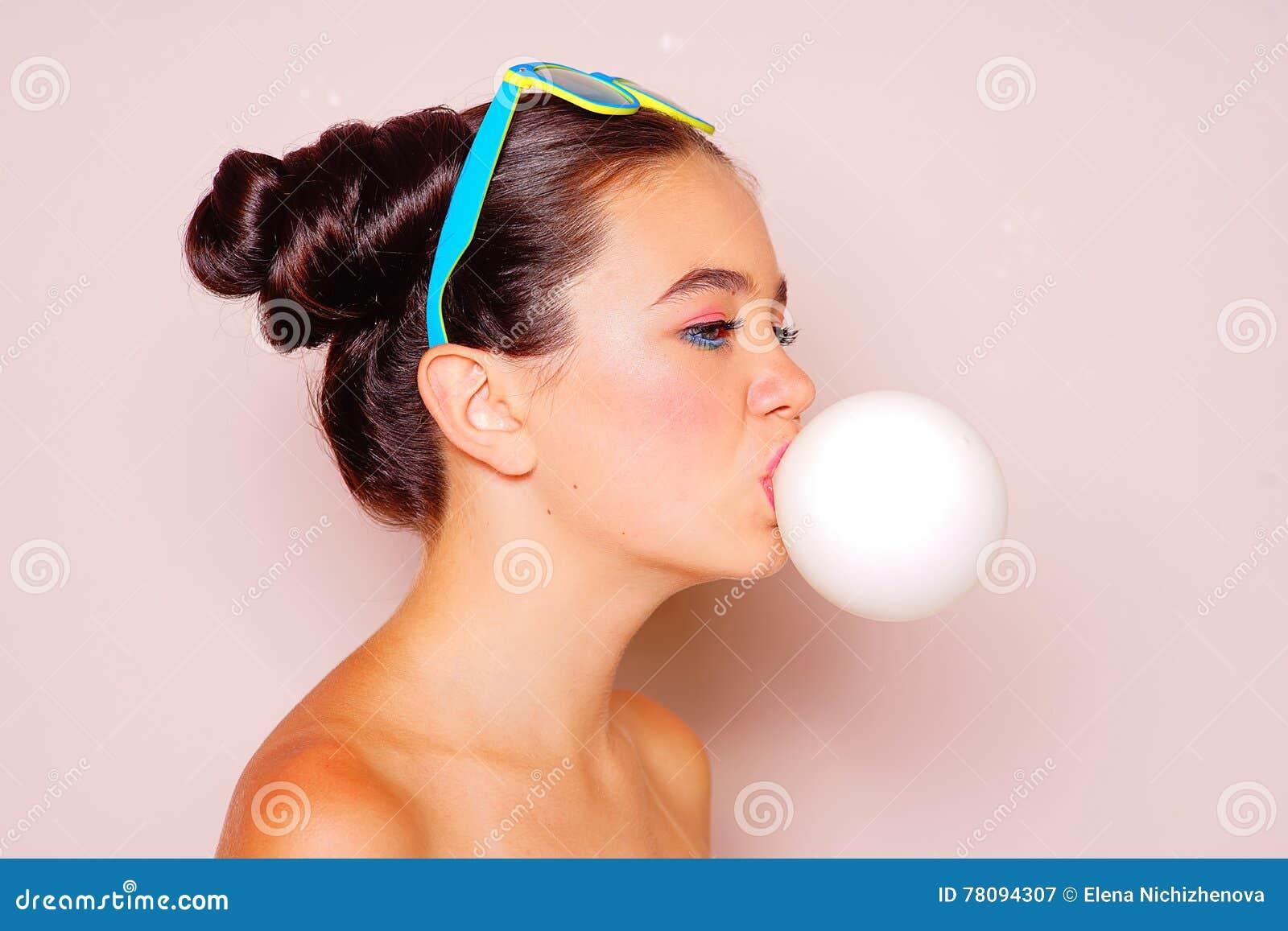 from Malaki gum blowing teen girls