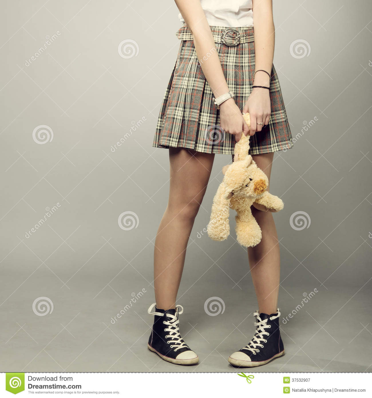 Gril Toy For Teenager : Teenager girl with teddy bear royalty free stock
