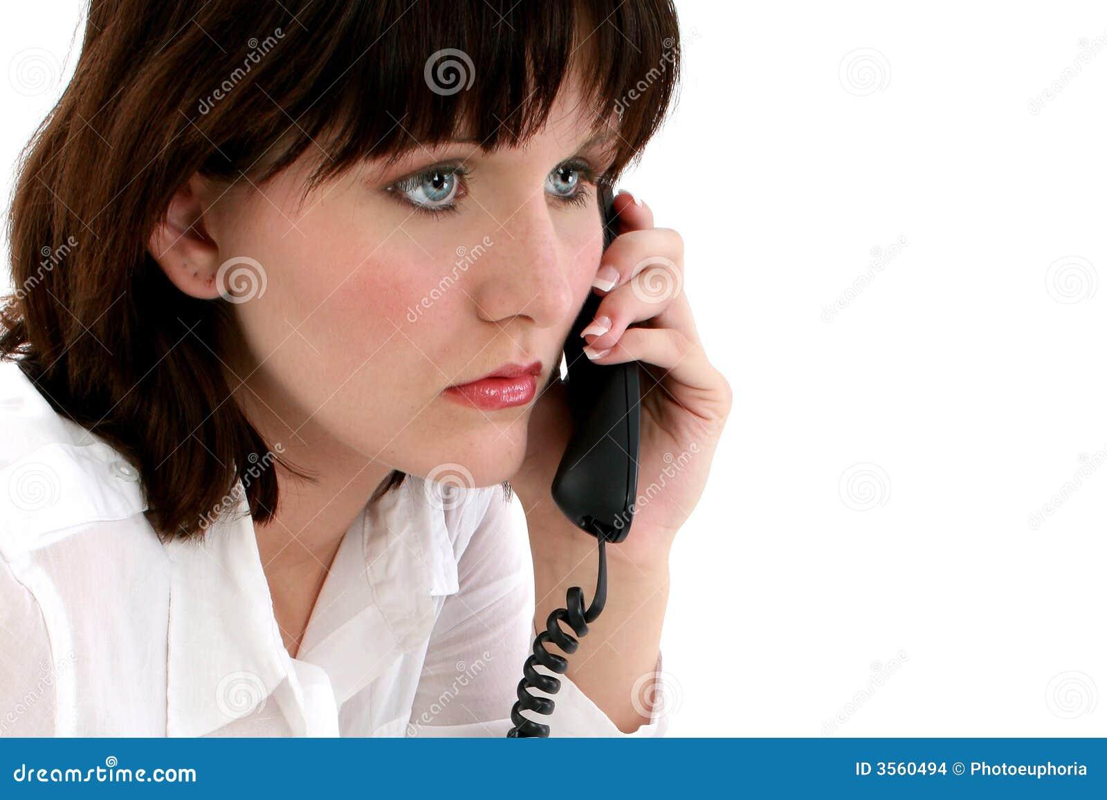 Teenager sul telefono