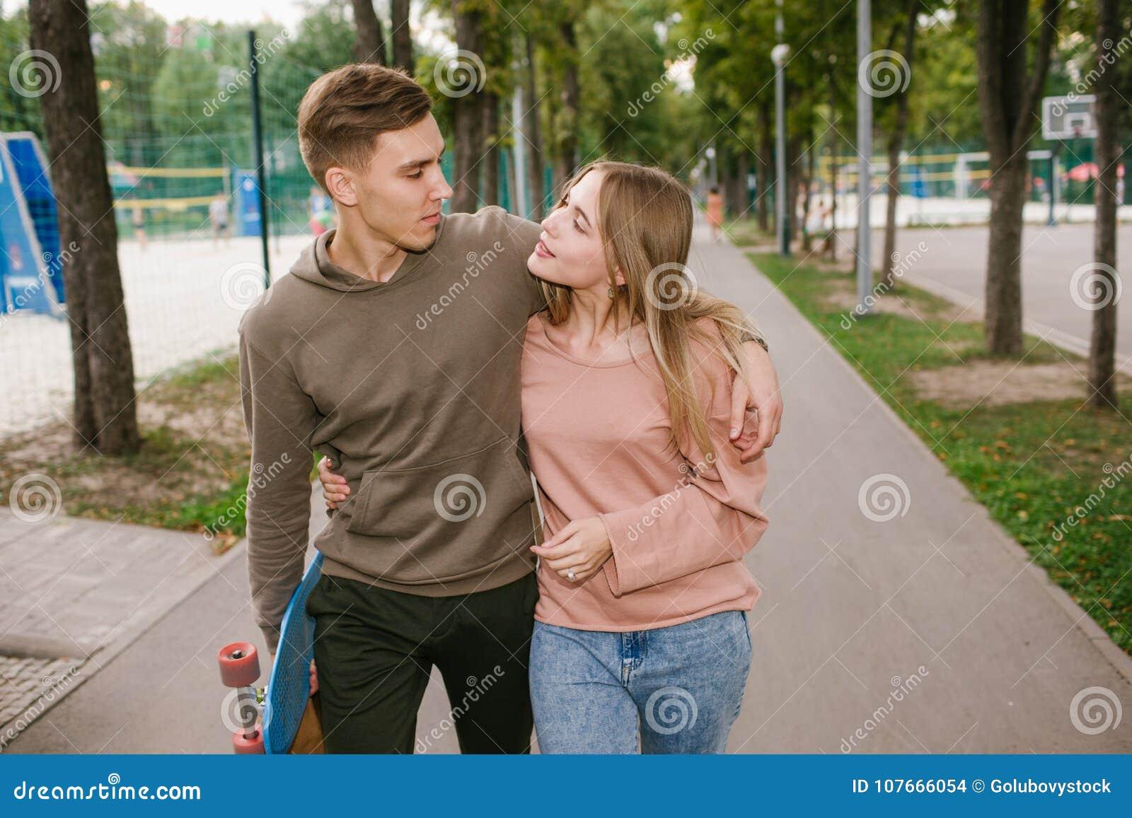 dating teenager austin og allierede dating spil