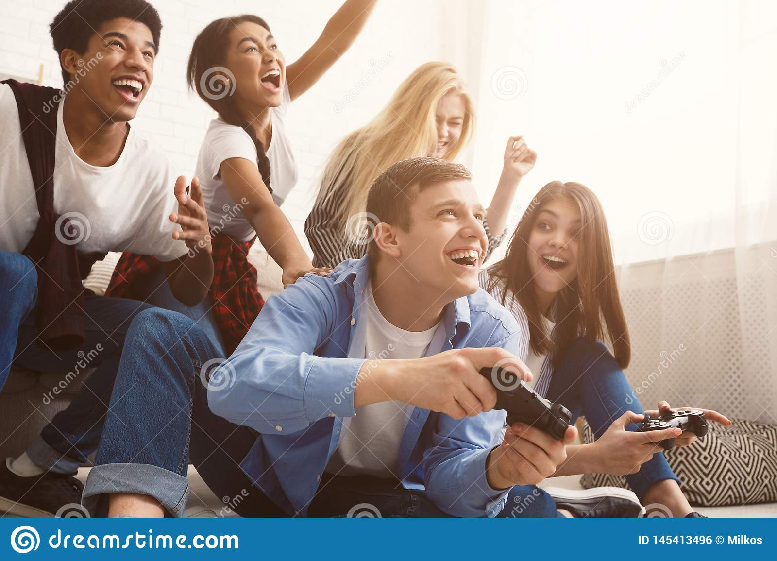online teenagers games fun for