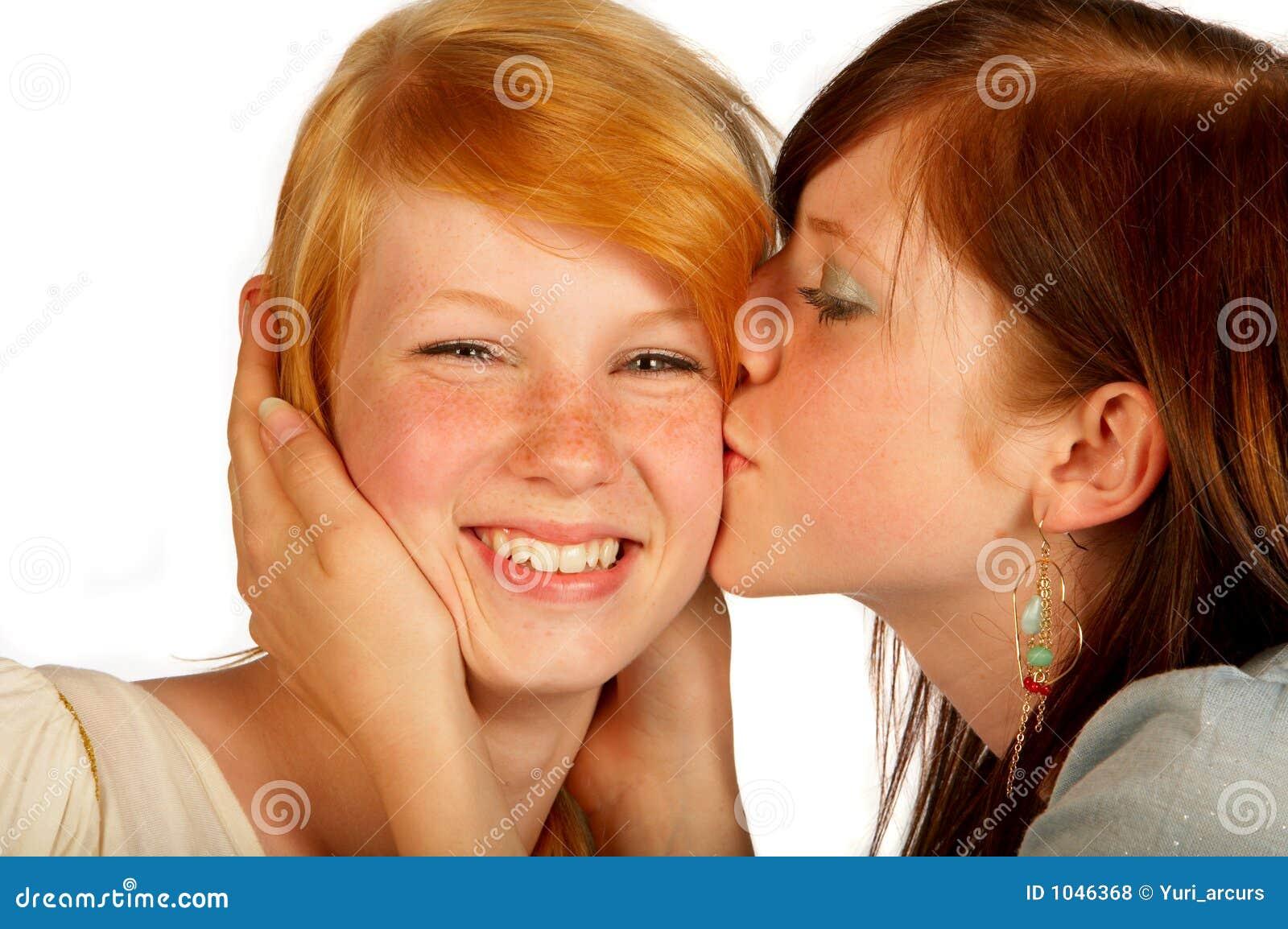 Information Com Teens Kissing 52