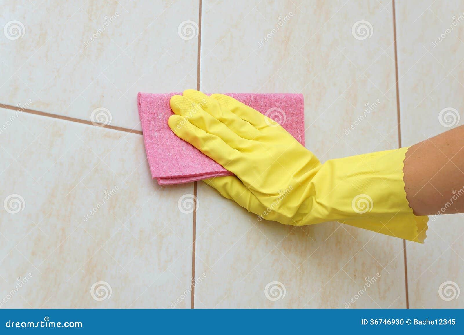 Tegel het schoonmaken