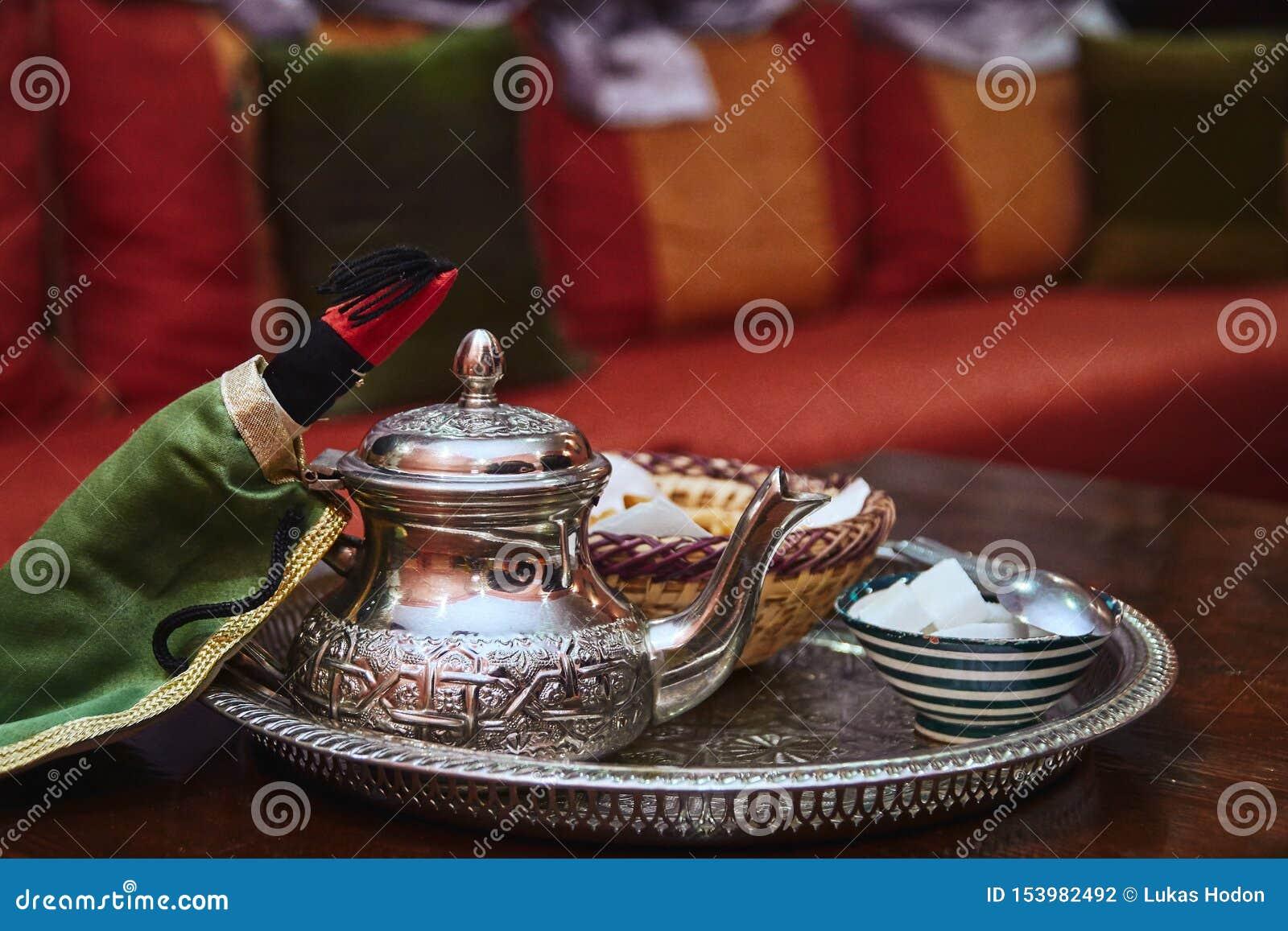 Teiera d argento marocchina tradizionale