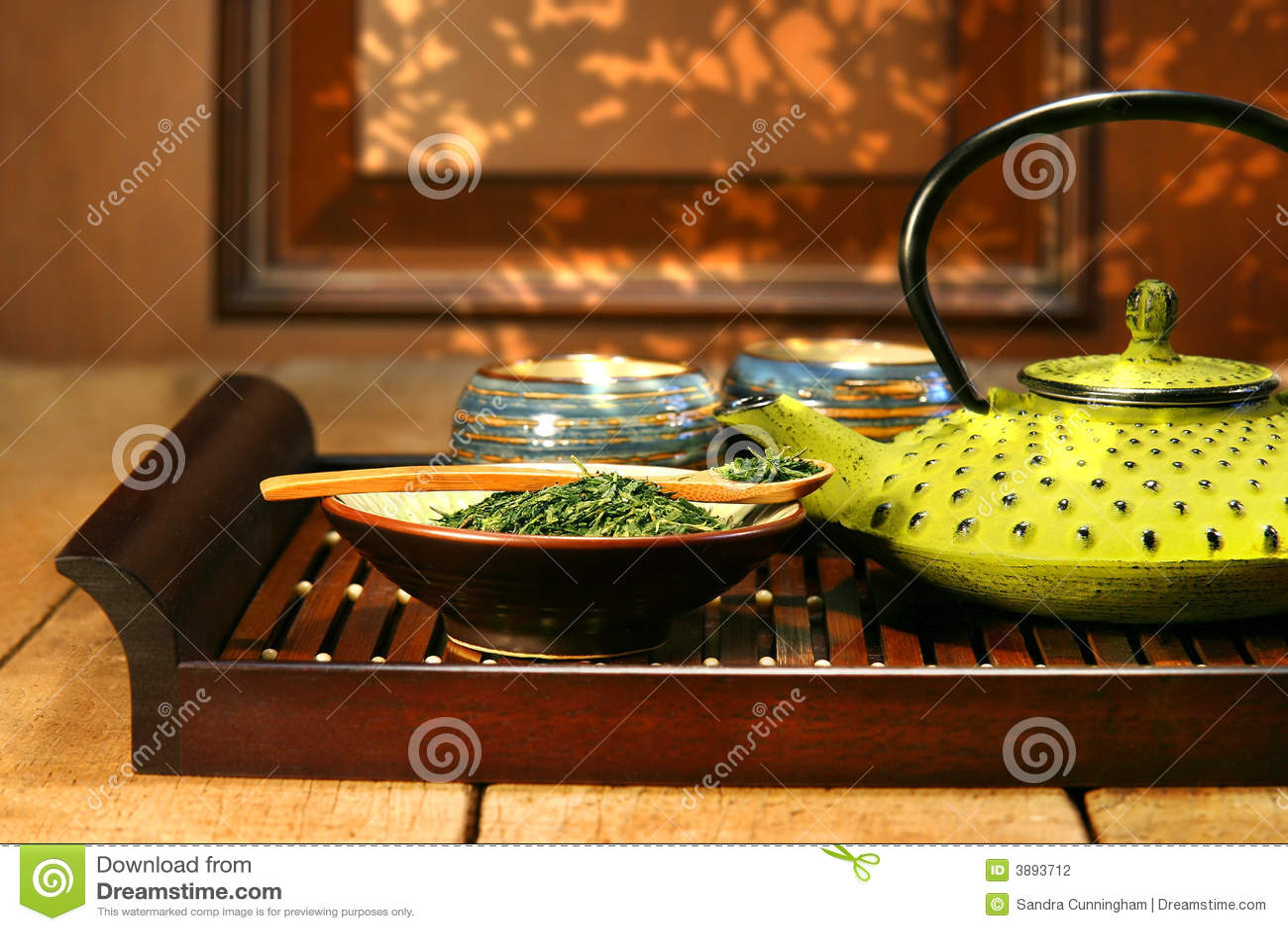 Teiera verde del ghisa