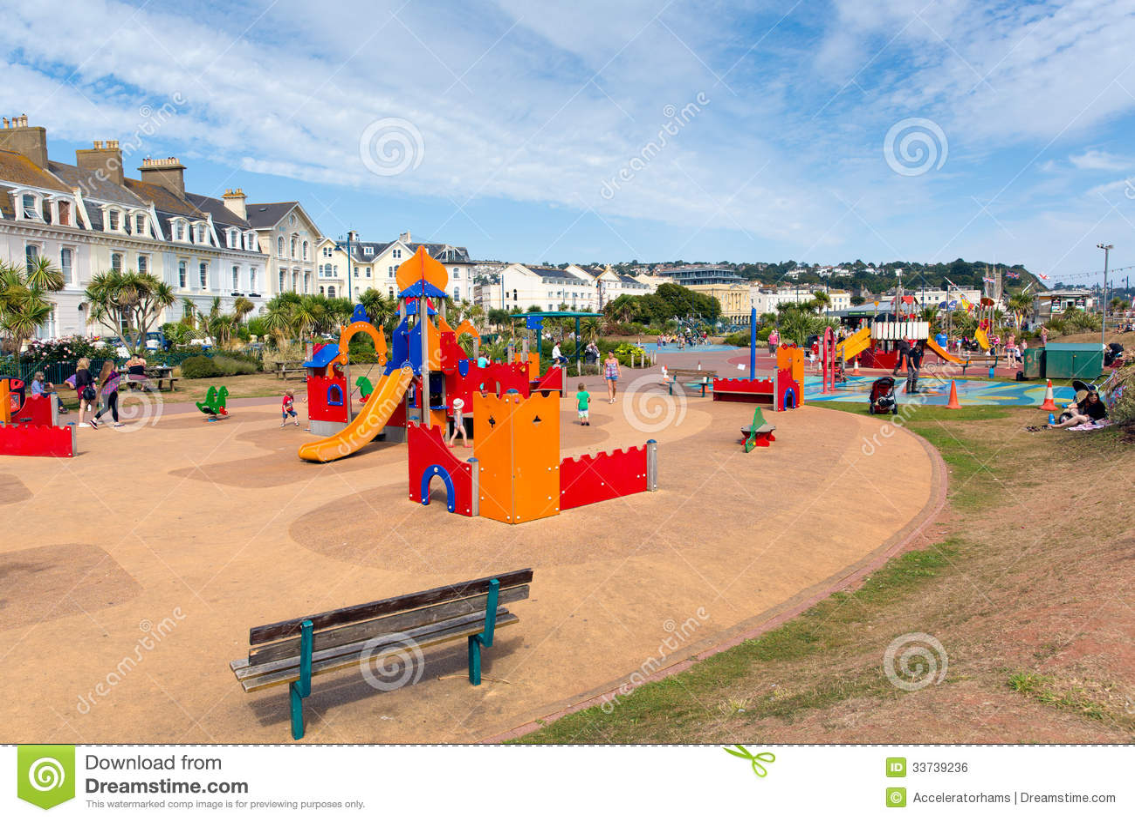 Teignmouth沿海岸区德文郡儿童的活动现场