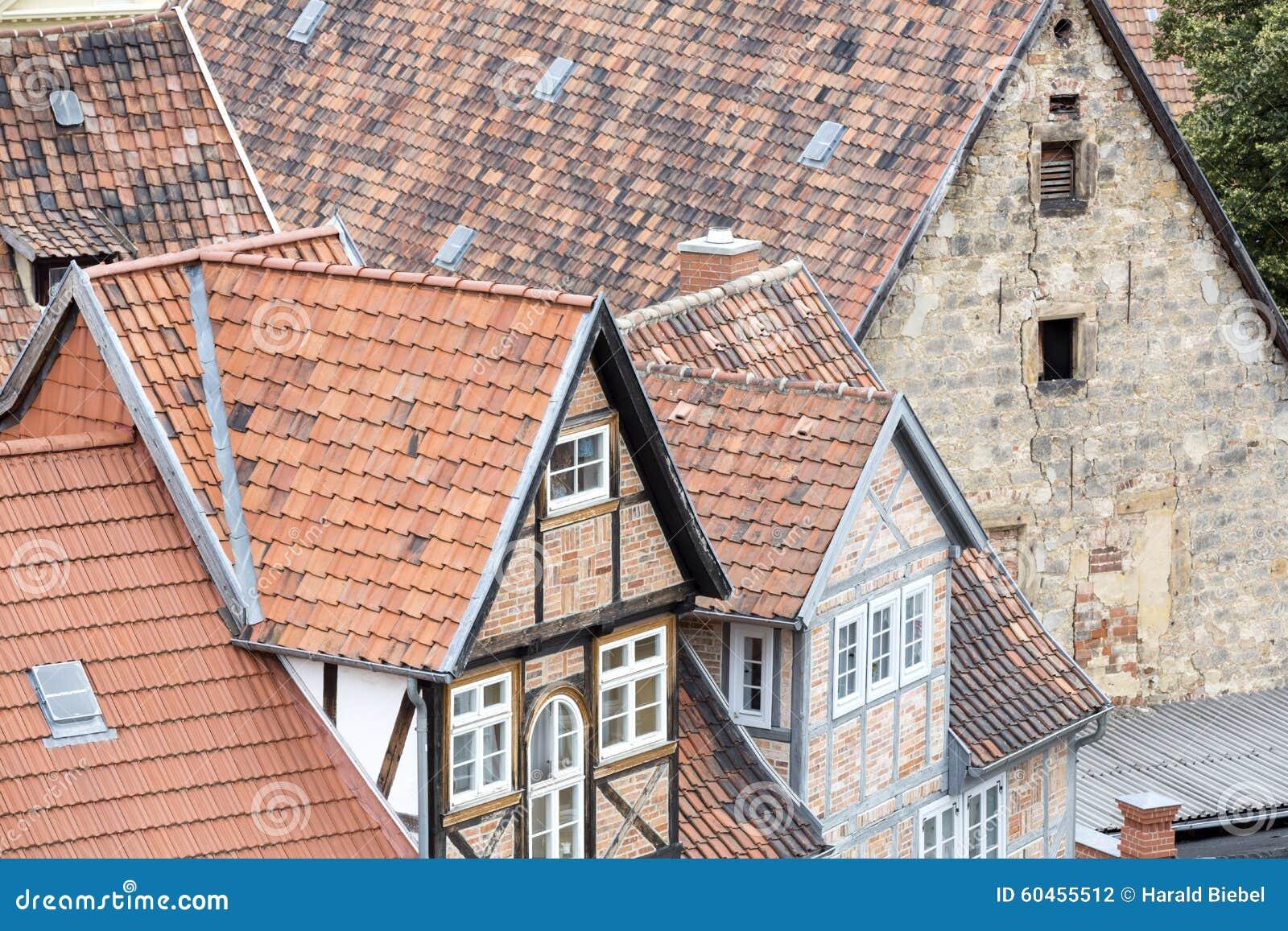 Tejados de casas de entramado de madera foto de archivo for Tejados de madera casas