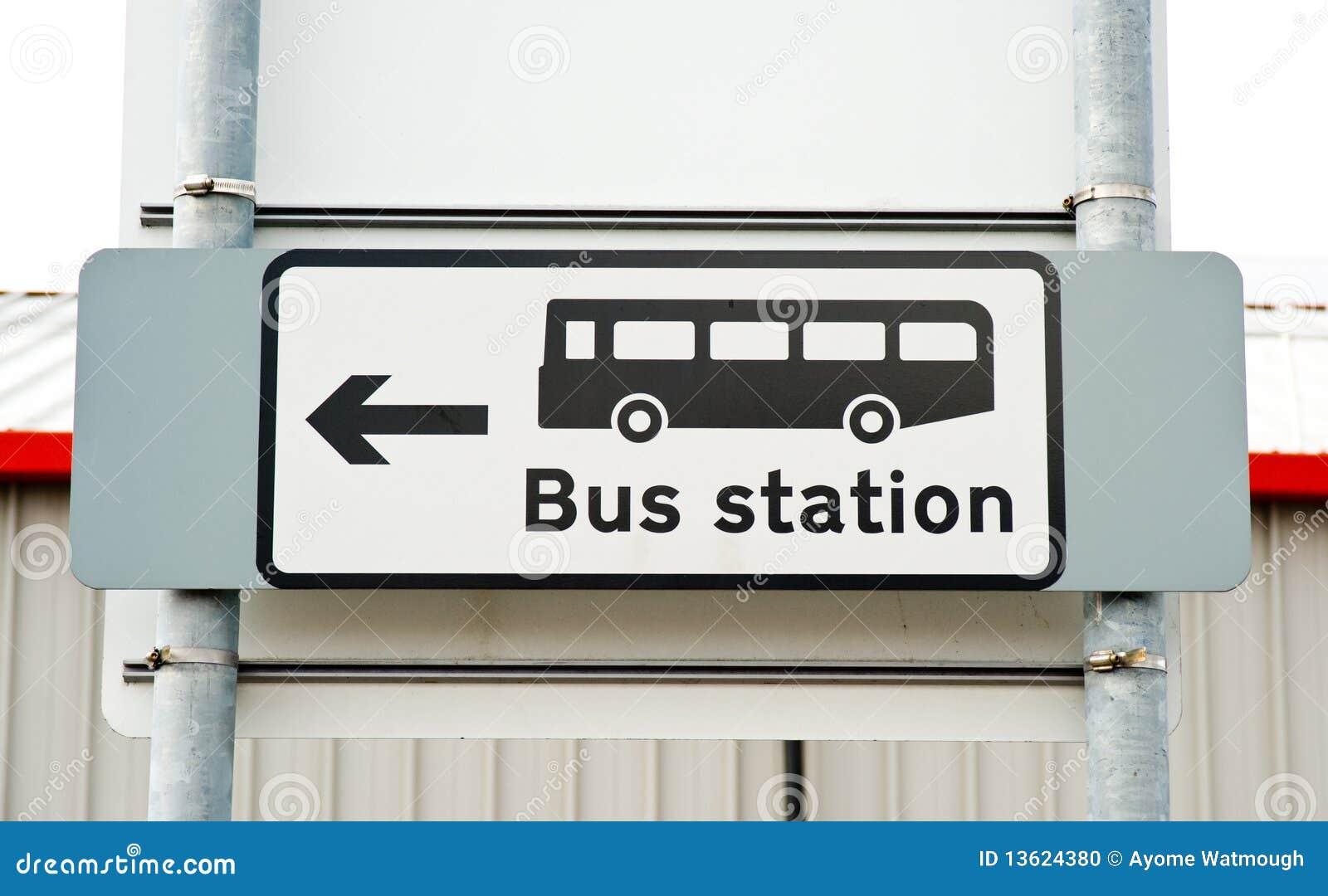 Teken voor en richting aan busstation.