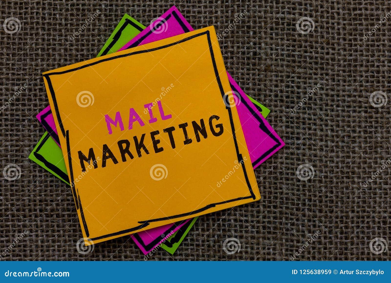 Tekst poczta szyldowy pokazuje marketing Konceptualny fotografia akt wysyłać handlowych wiadomości sensu Transmitującego papier z