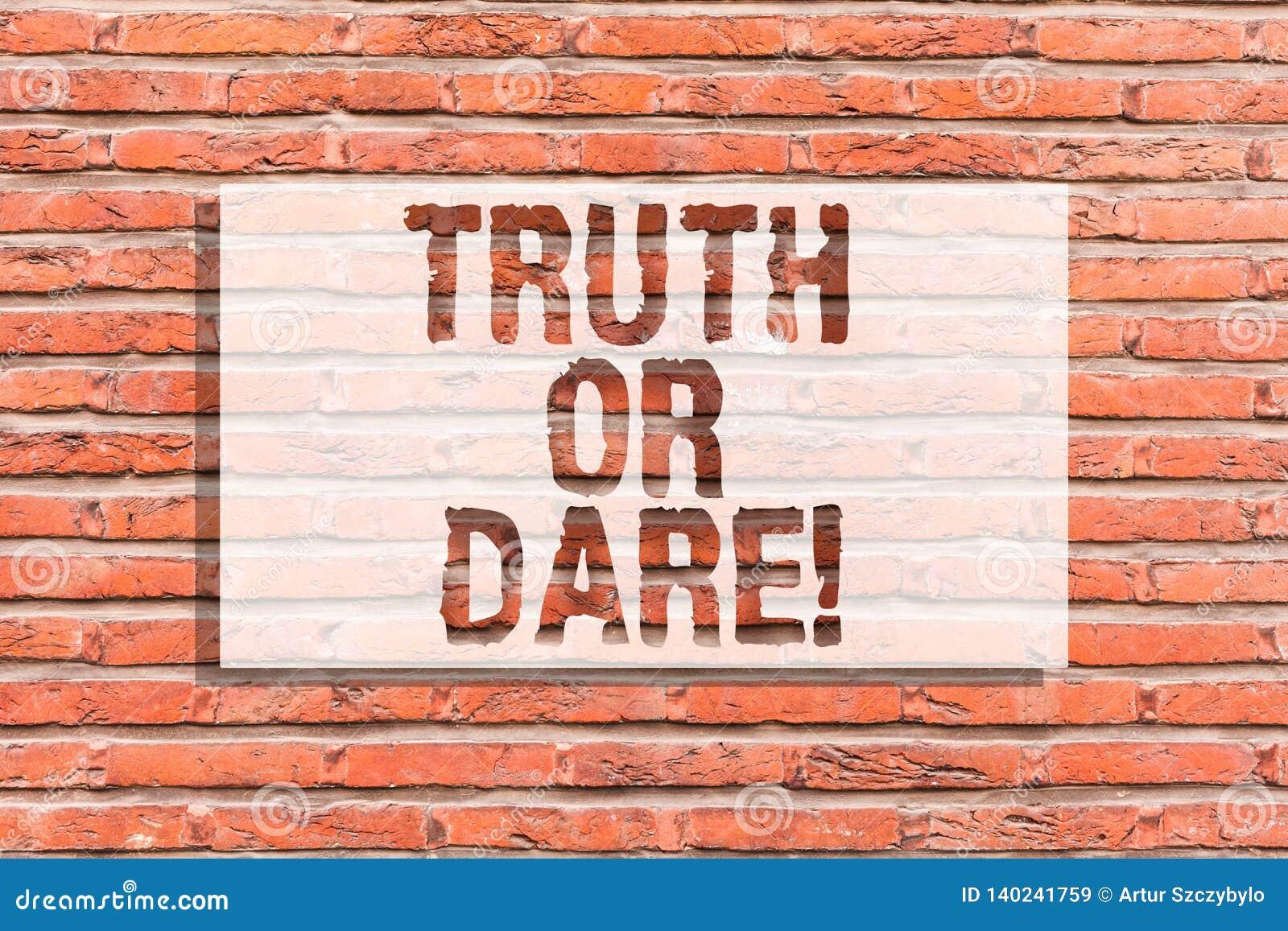 Teksta wyzwanie Lub Konceptualna fotografia Mówi faktycznych fact lub determinował akceptować wyzwanie ścianę z cegieł