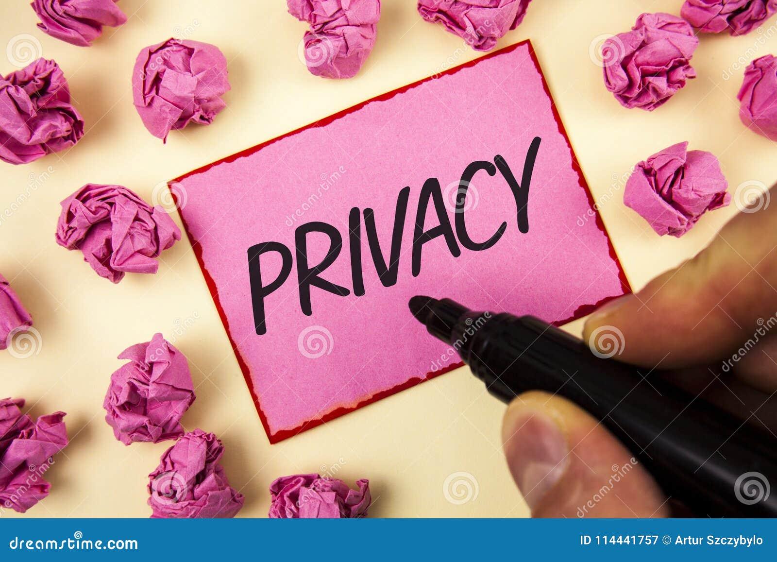 Tekstteken die Privacy tonen Conceptueel fotorecht persoonlijke die kwesties en informatie als geheim te houden door de Mens word