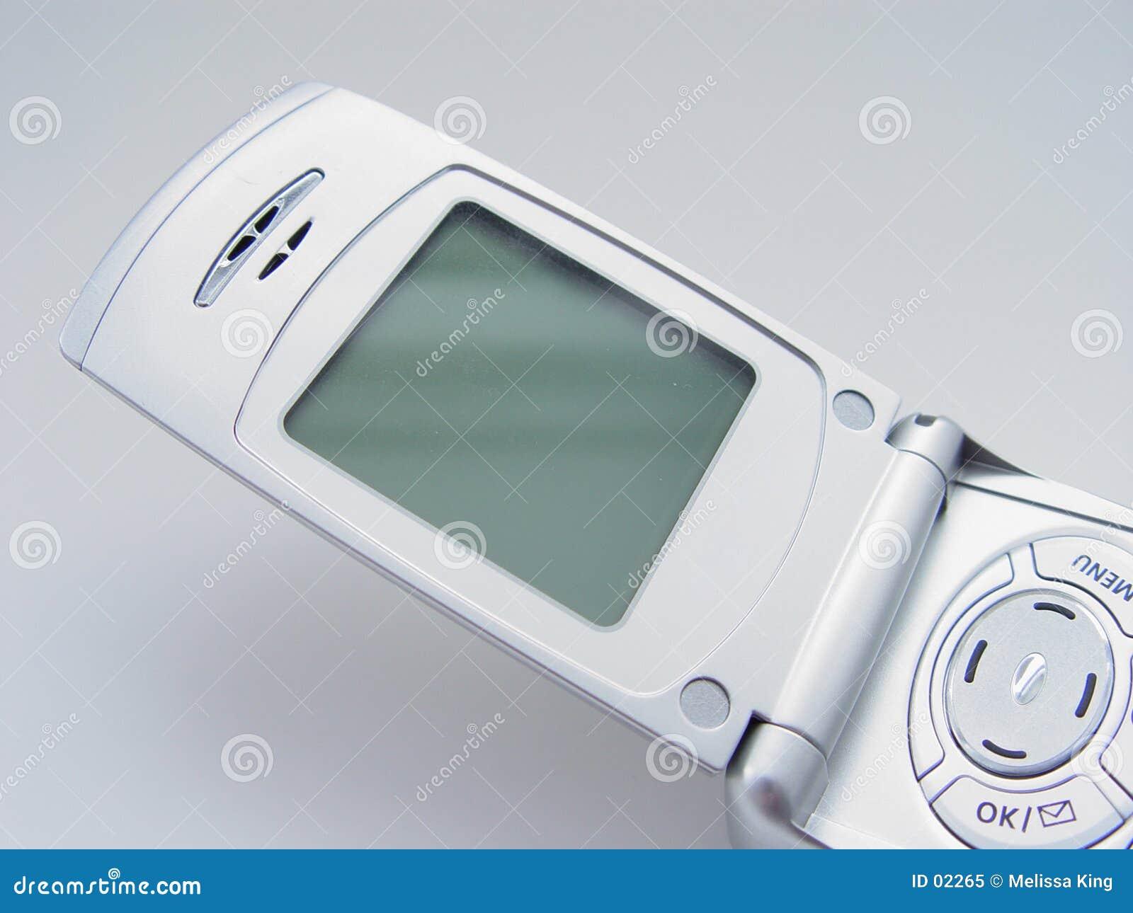 Teléfono celular con la pantalla en blanco