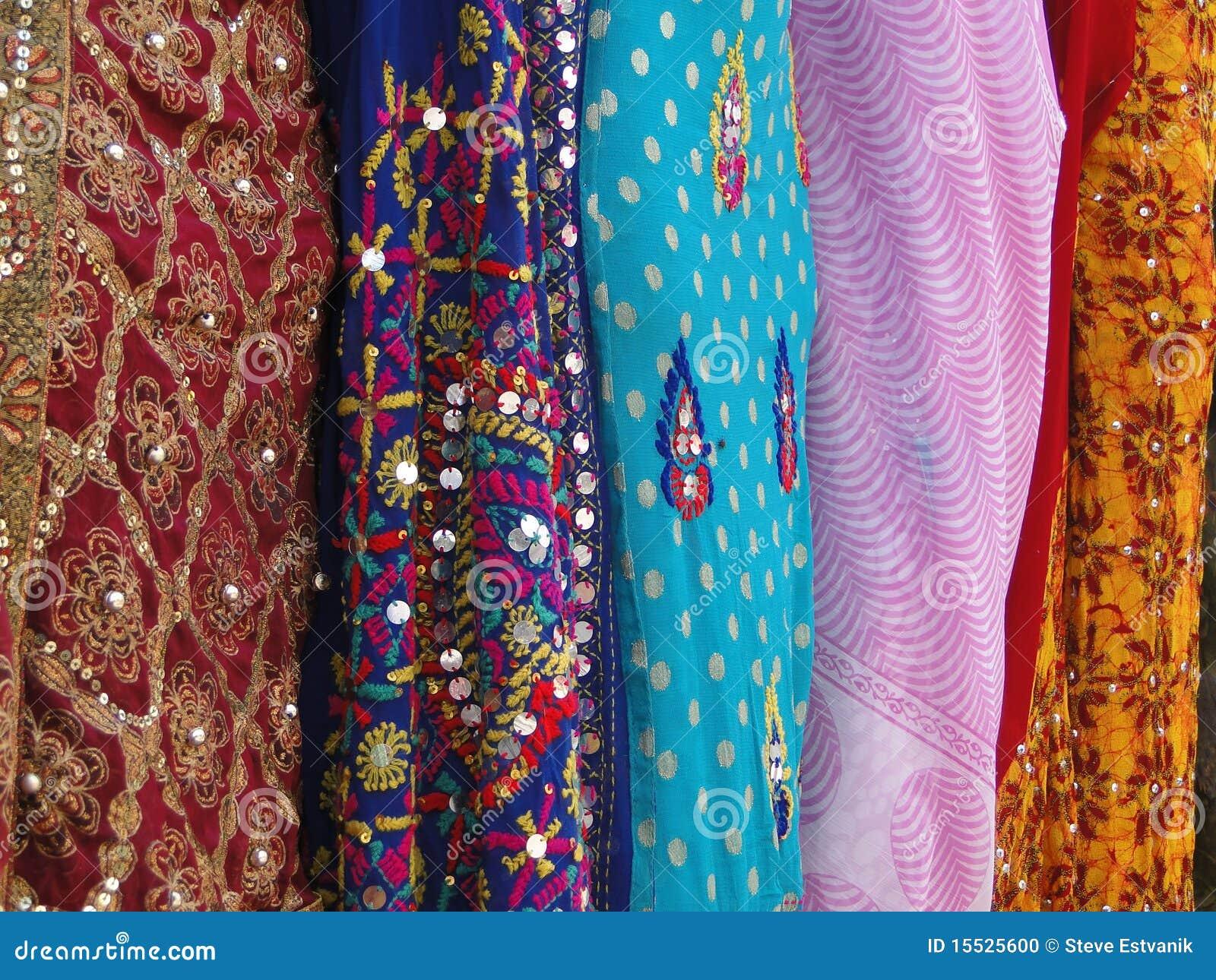 Tela de seda fina de la sari del brocado foto de archivo - Telas de la india online ...