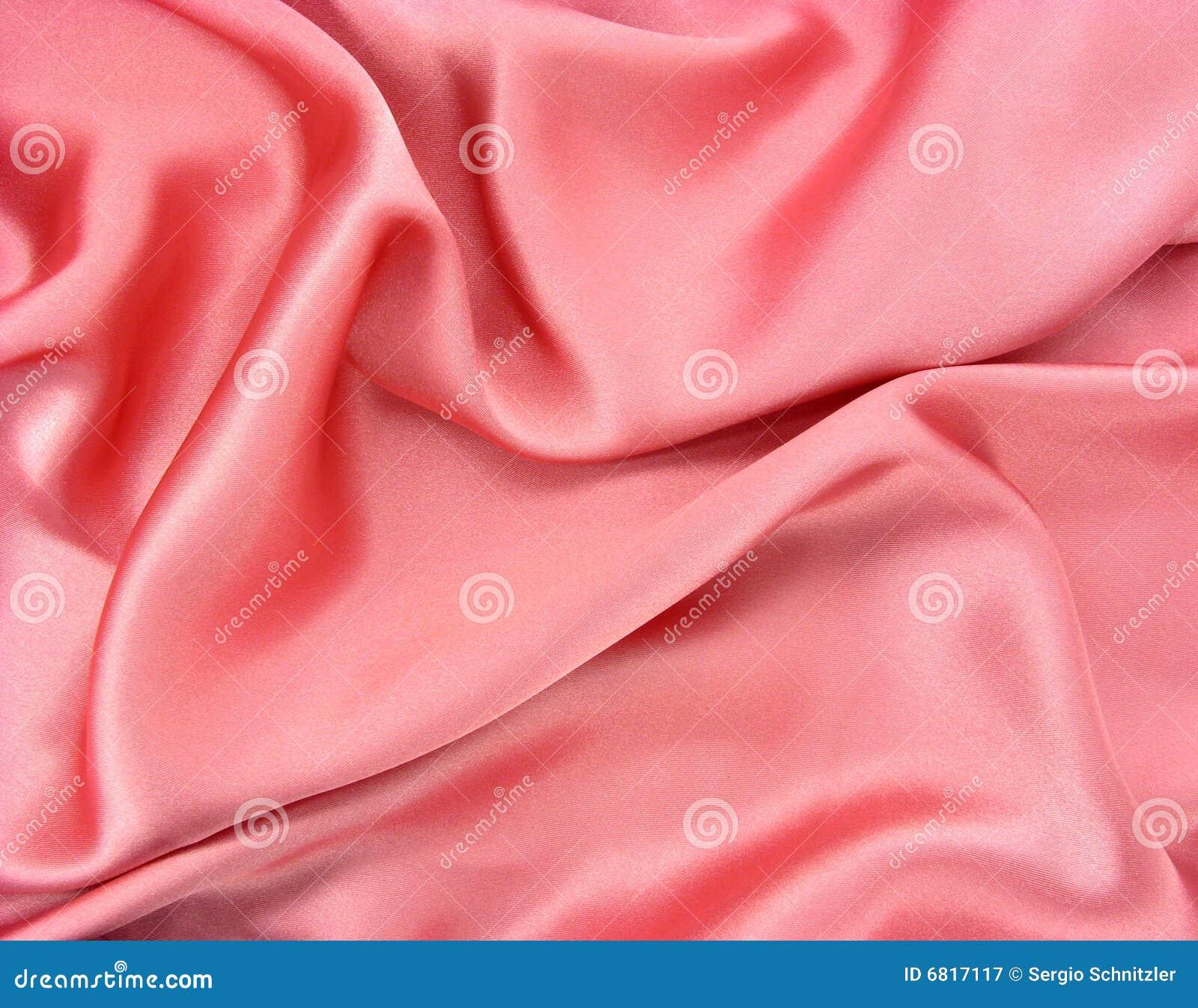 Tela rosada brillante arrugada