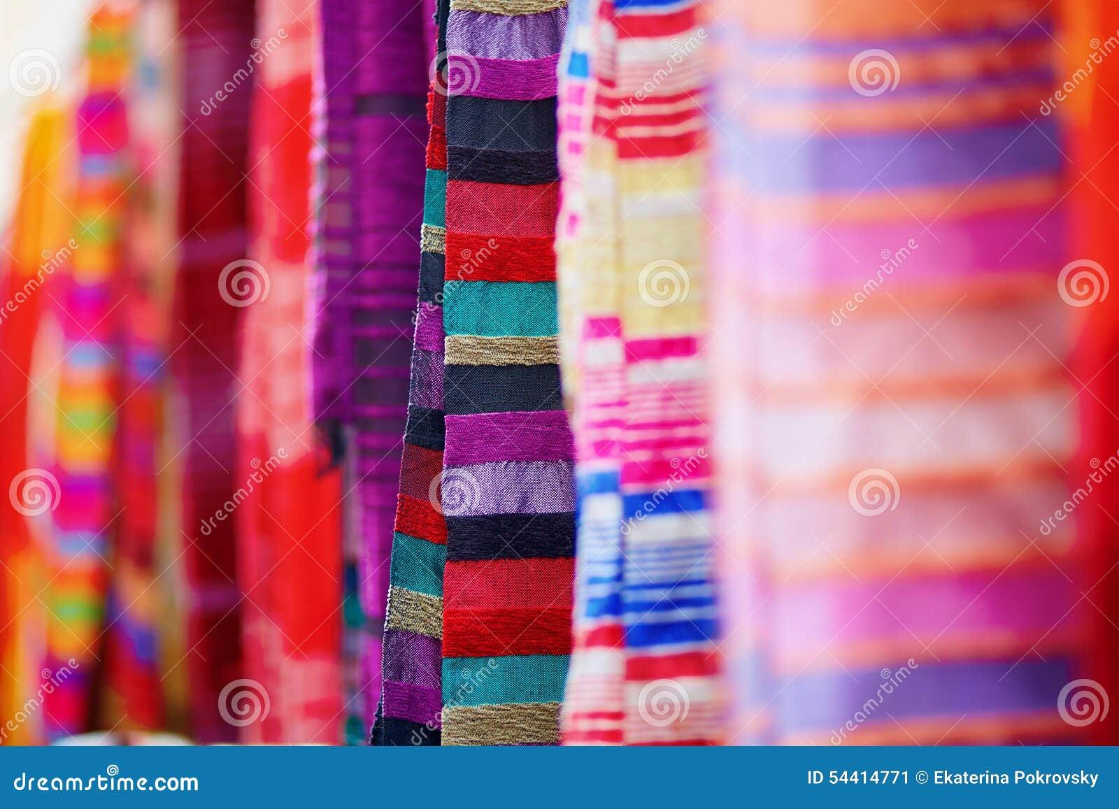 Telas y alfombras coloridas para la venta en essaouira - Telas para alfombras ...