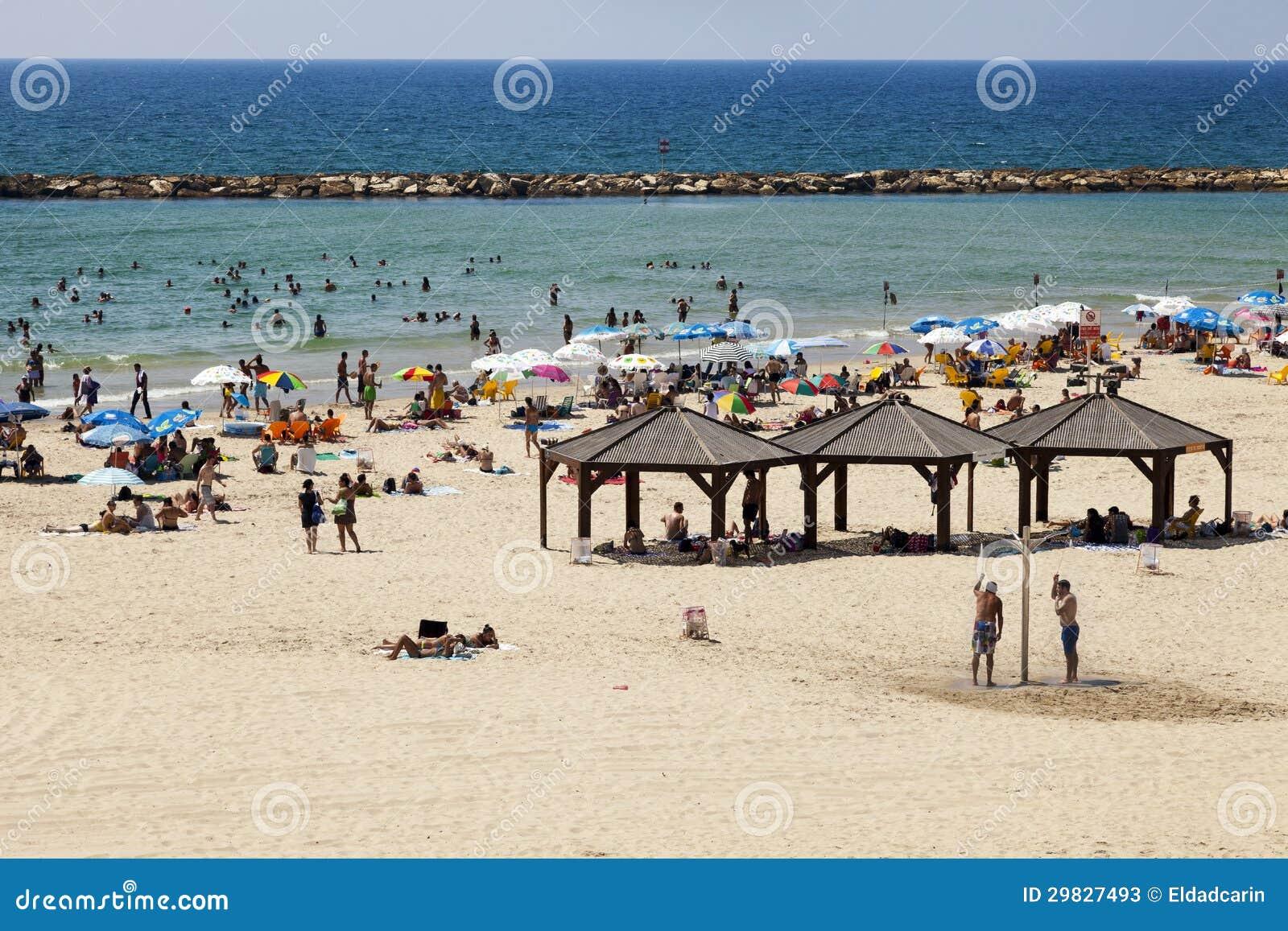 Verão na praia em Telavive