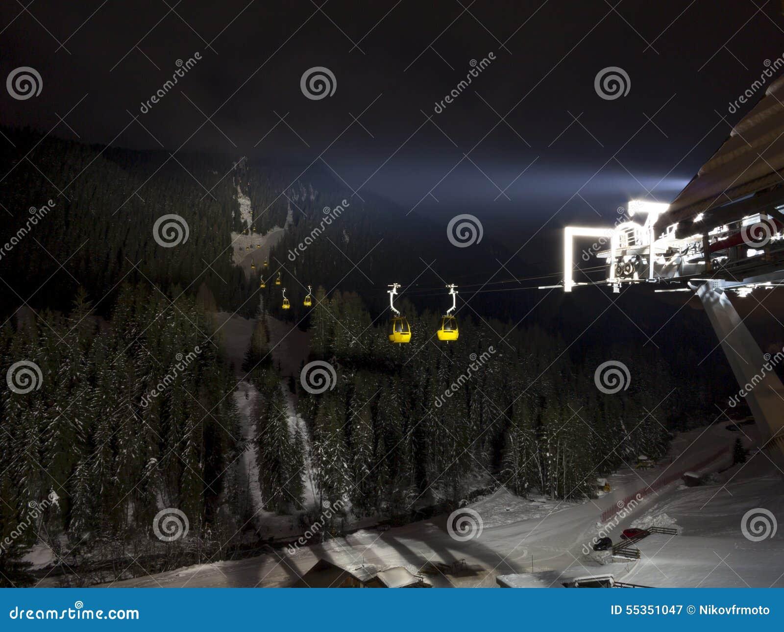 Teleferica nella notte