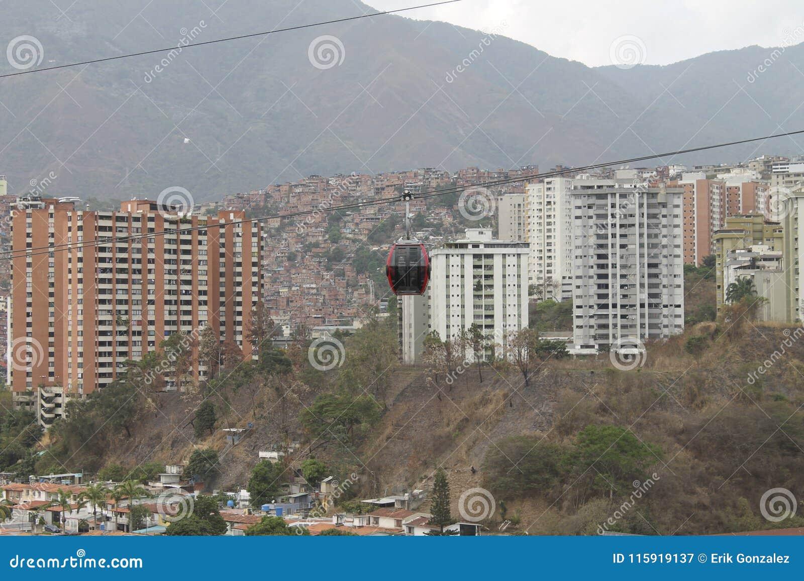 Teleferica veduta da Palo Verde a Caracas, Venezuela