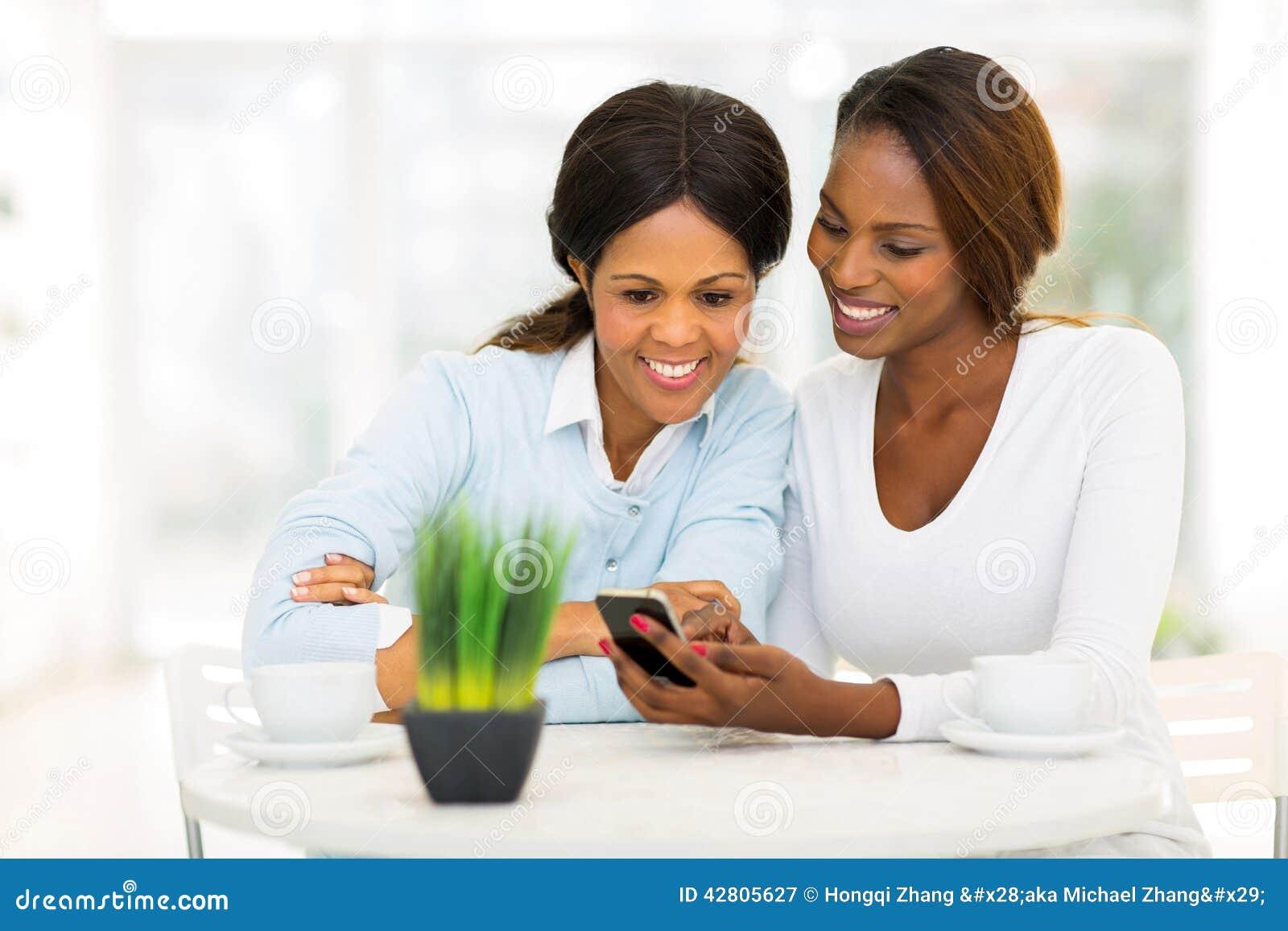 Telefone africano da filha da mãe