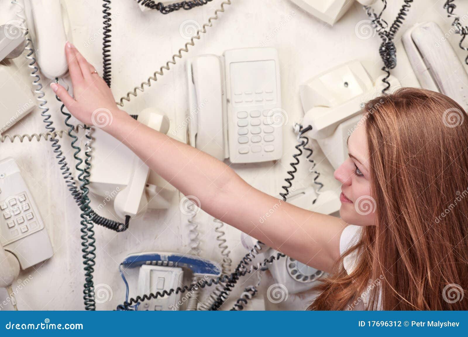Telefonu wzruszająca rocznika kobieta