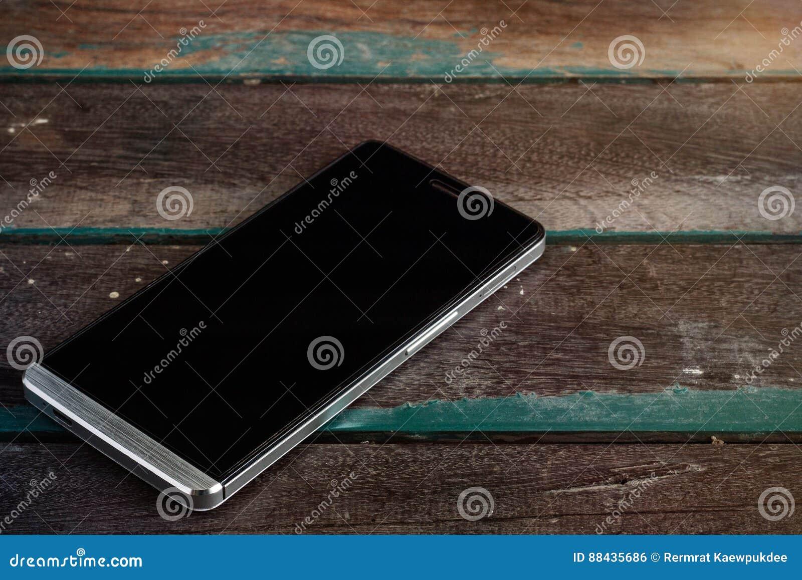 Telefoon op een hout