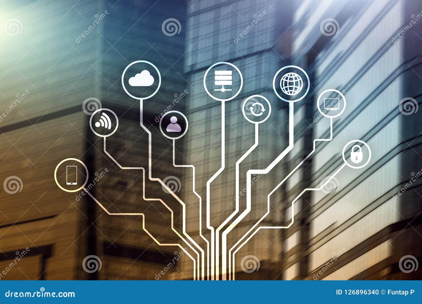 Telekommunikation und IOT-Konzept auf unscharfem Geschäftszentrumhintergrund