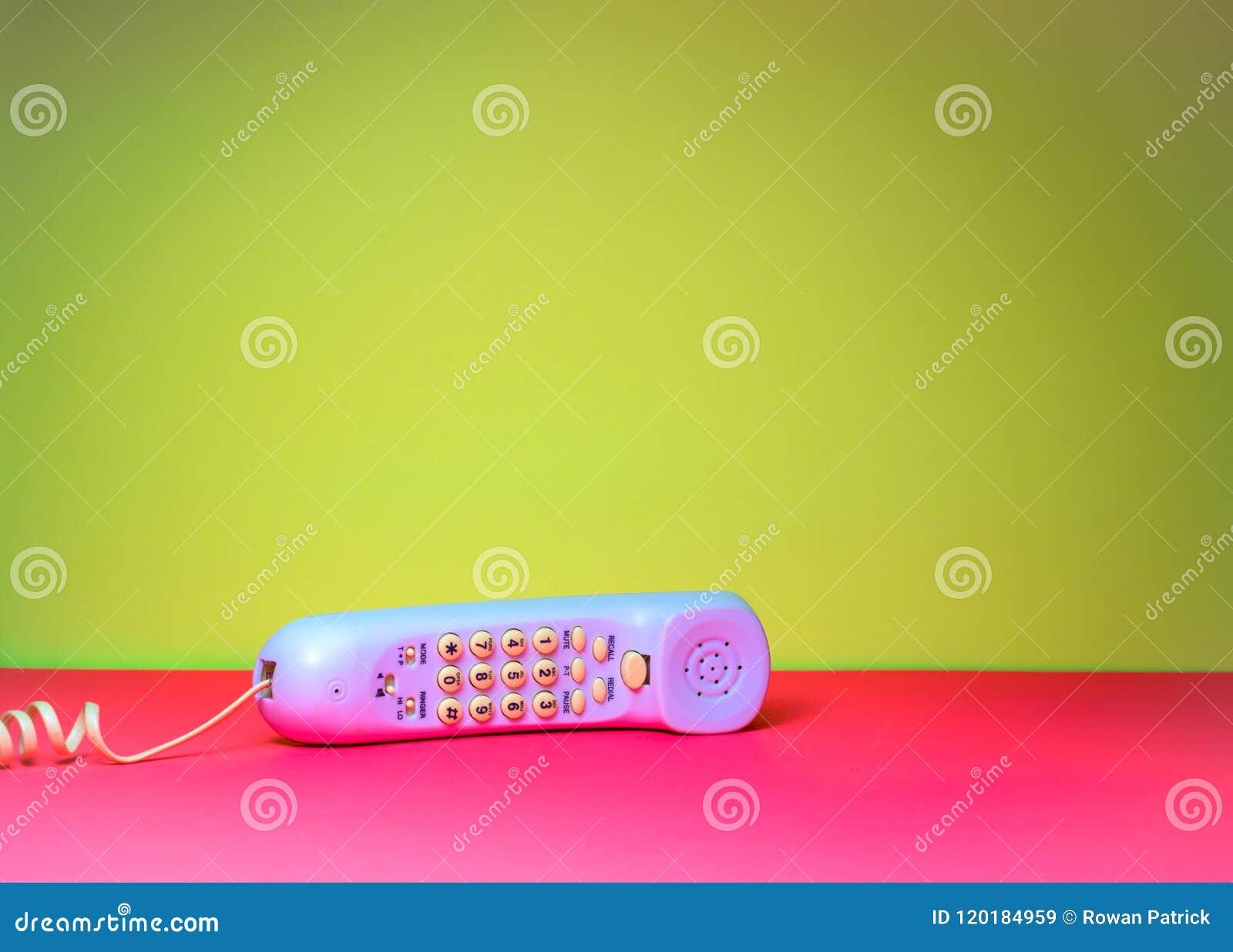 Corded telephone handset