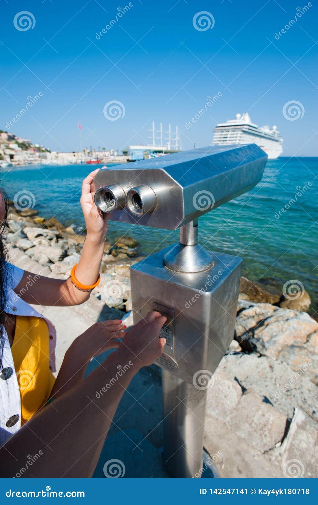 Telescopio pagato, osservazione delle navi, area per l osservazione sull argine