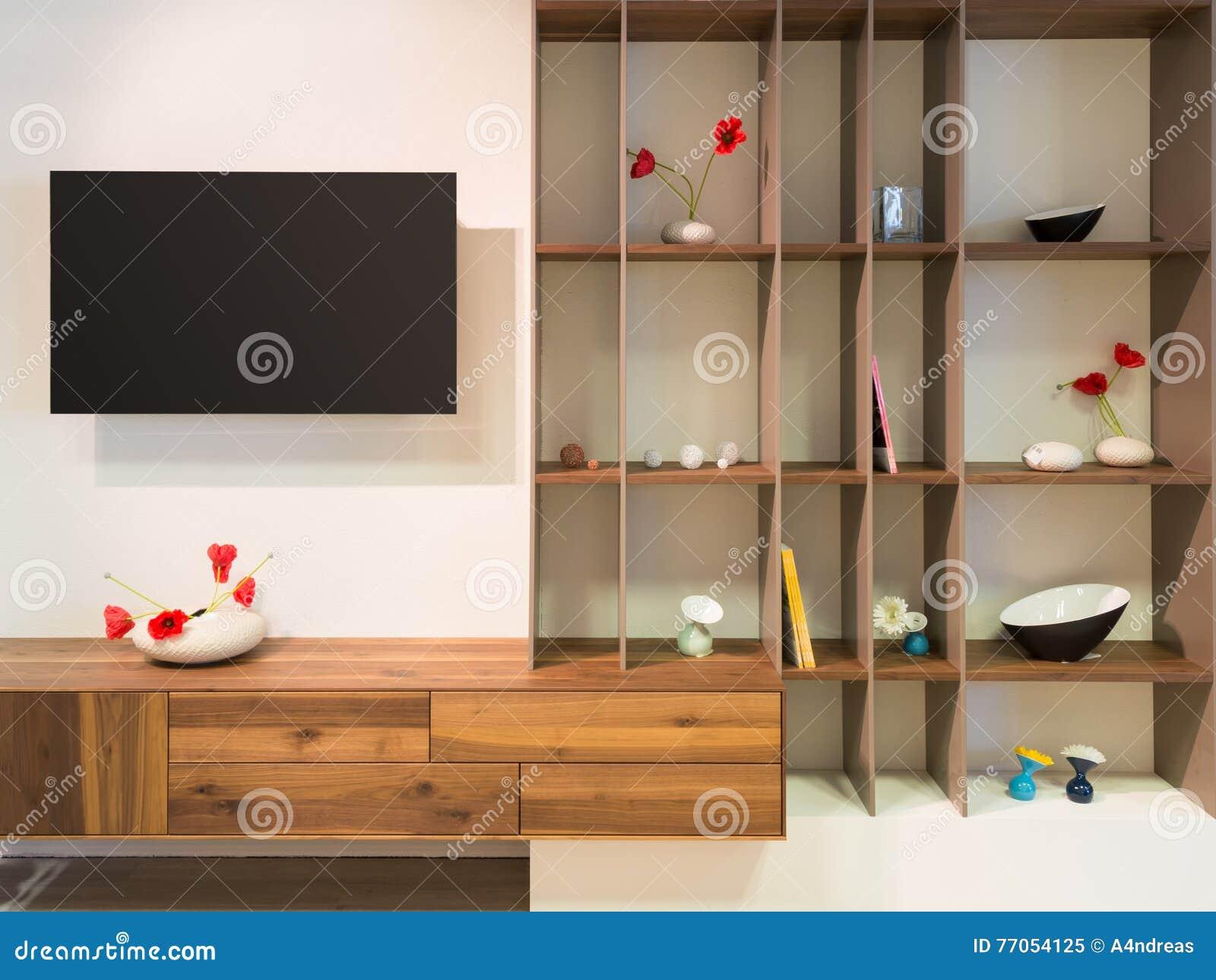 Televisie op muur eenheden van een de houten houtplank stock