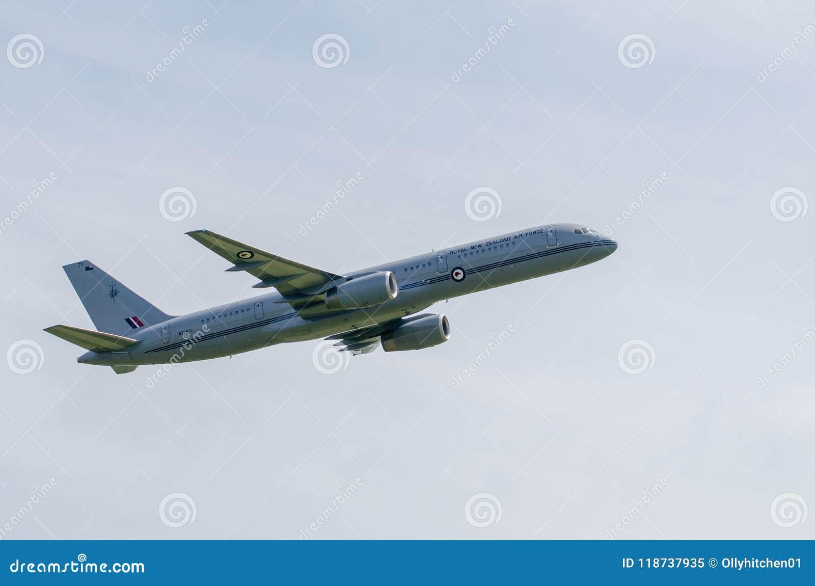 TELFORD, Великобритания, 9-ое июня 2018, Боинг 757-200 представляя Ro