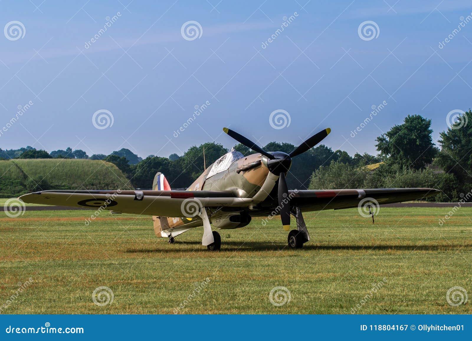 TELFORD, UK, CZERWIEC 10, 2018 - RAF domokrążcy Huragan stojaki na a