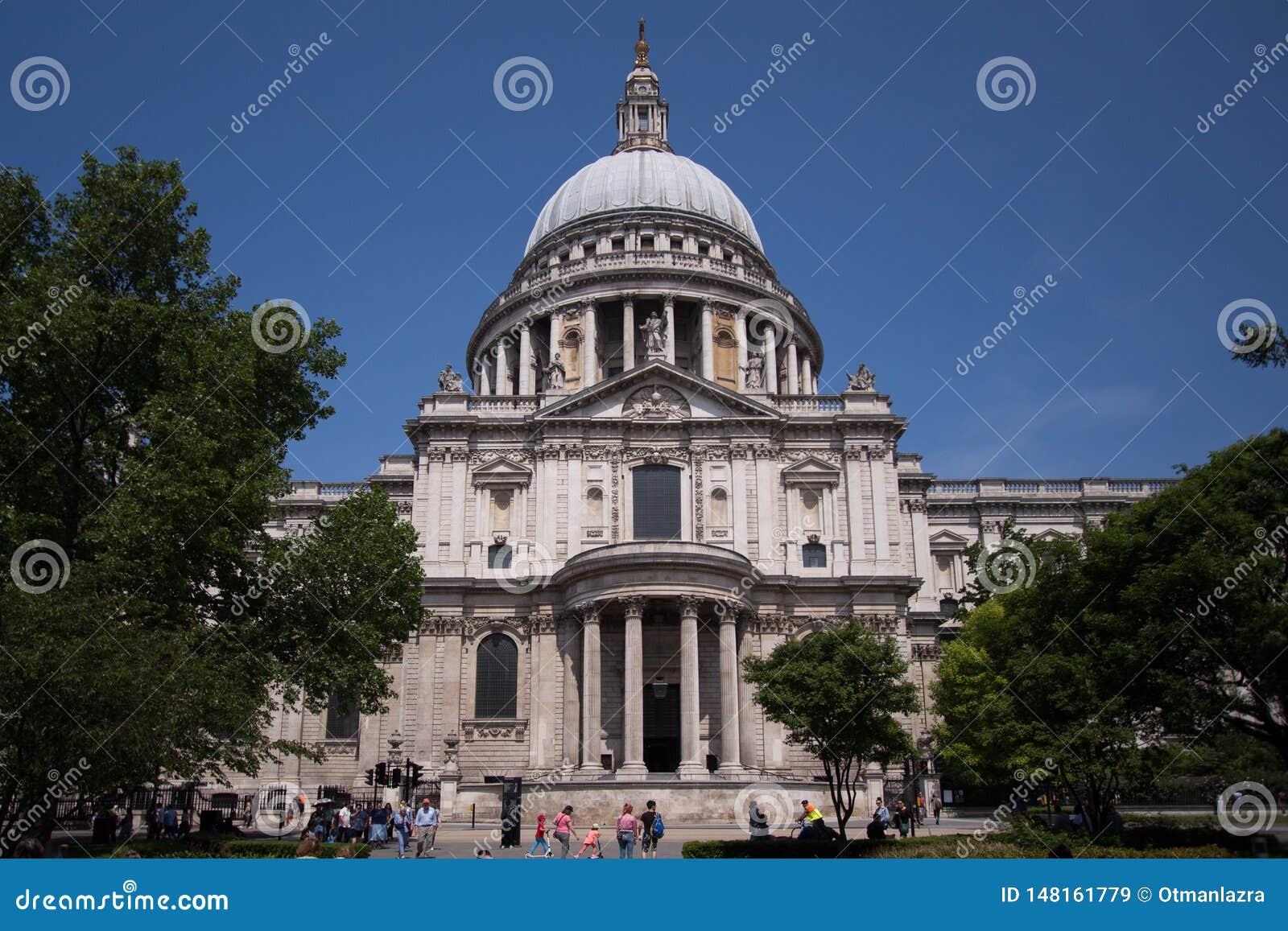Telhado abobadado de St Pauls Cathedral, Londres