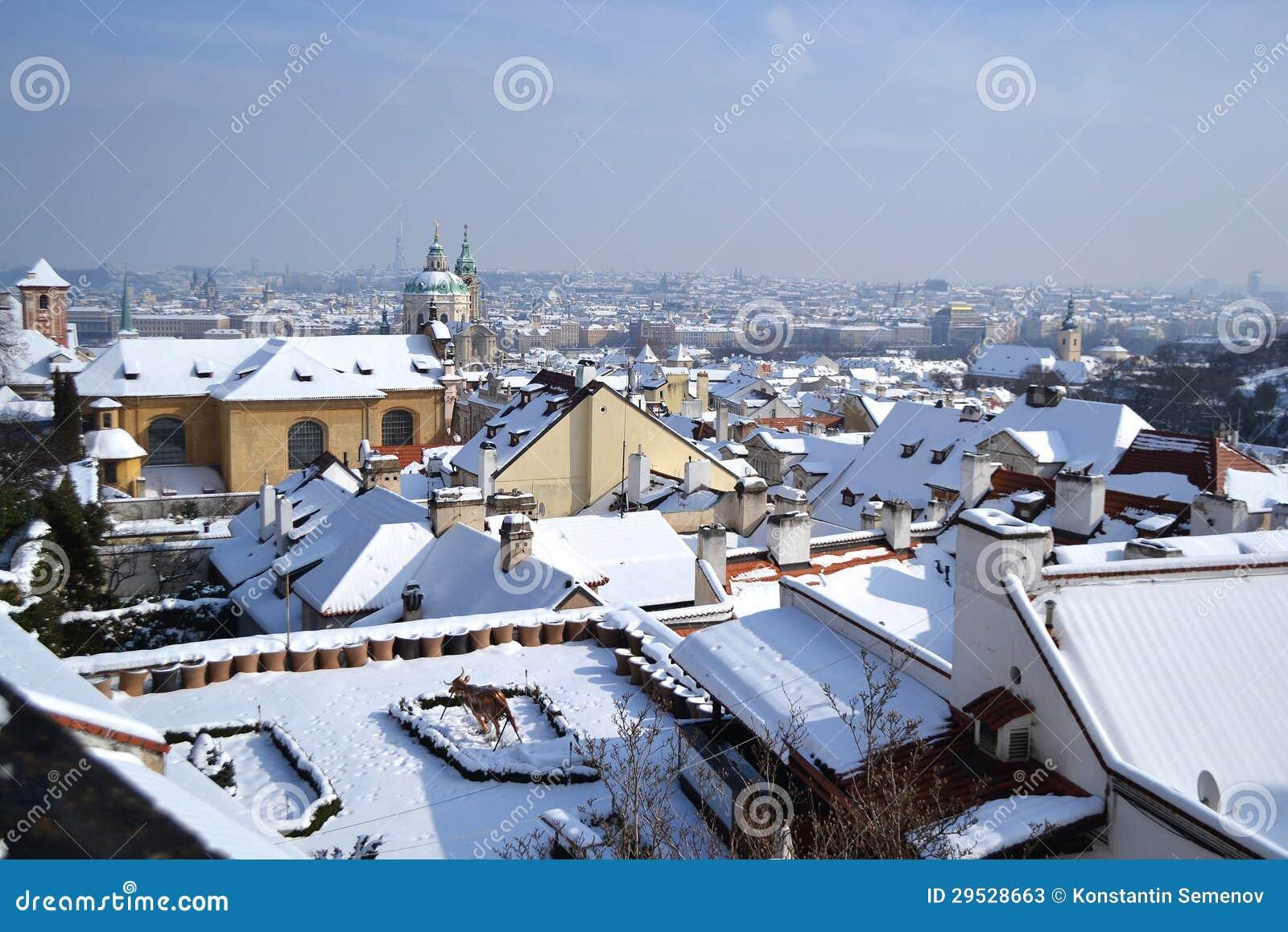 Telhados de Praga no inverno