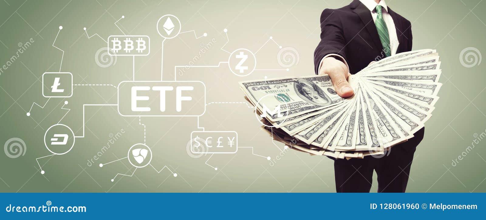Tema de Cryptocurrency ETF com o homem de negócio com dinheiro