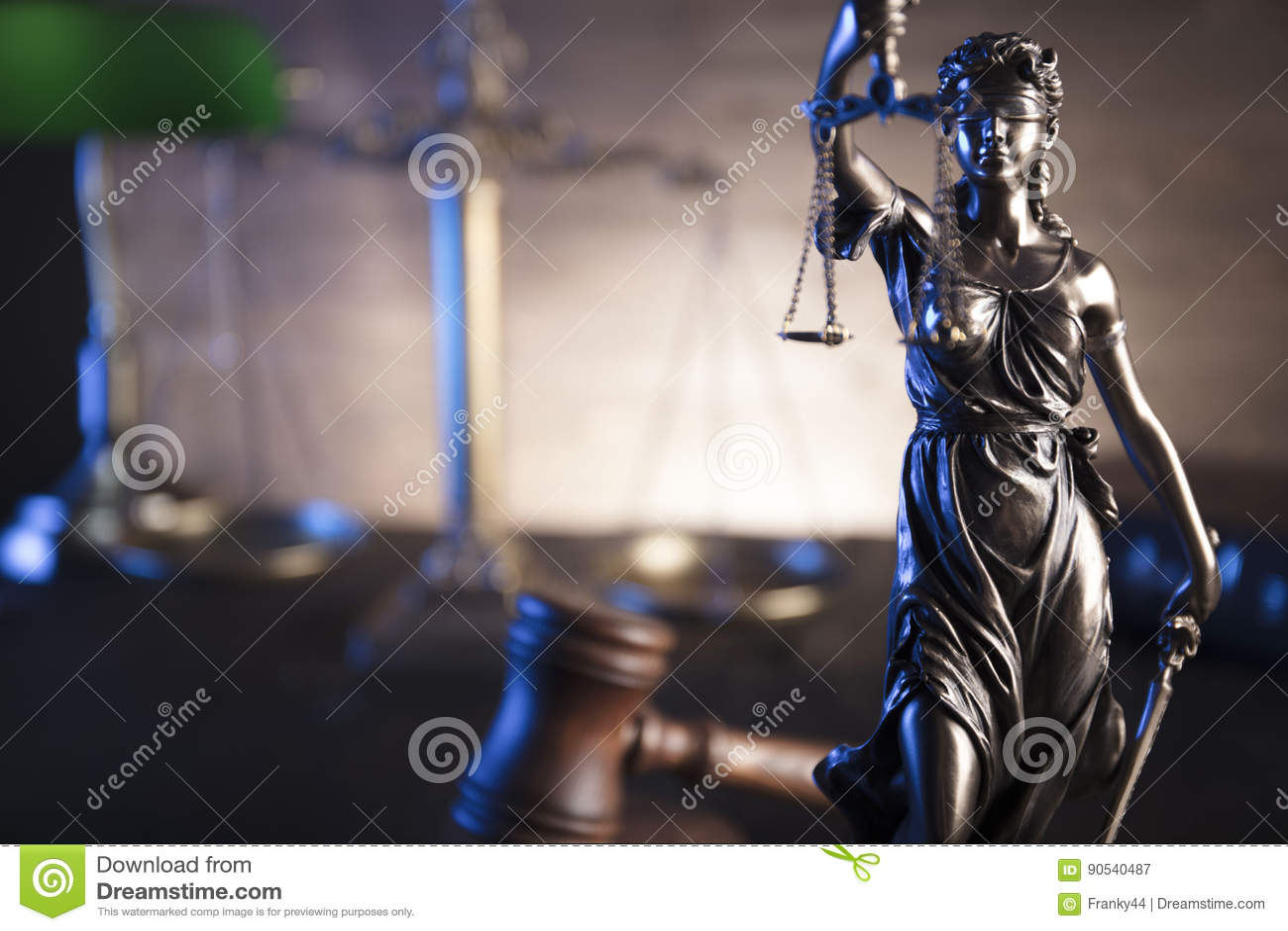 Tema de la ley y de la justicia