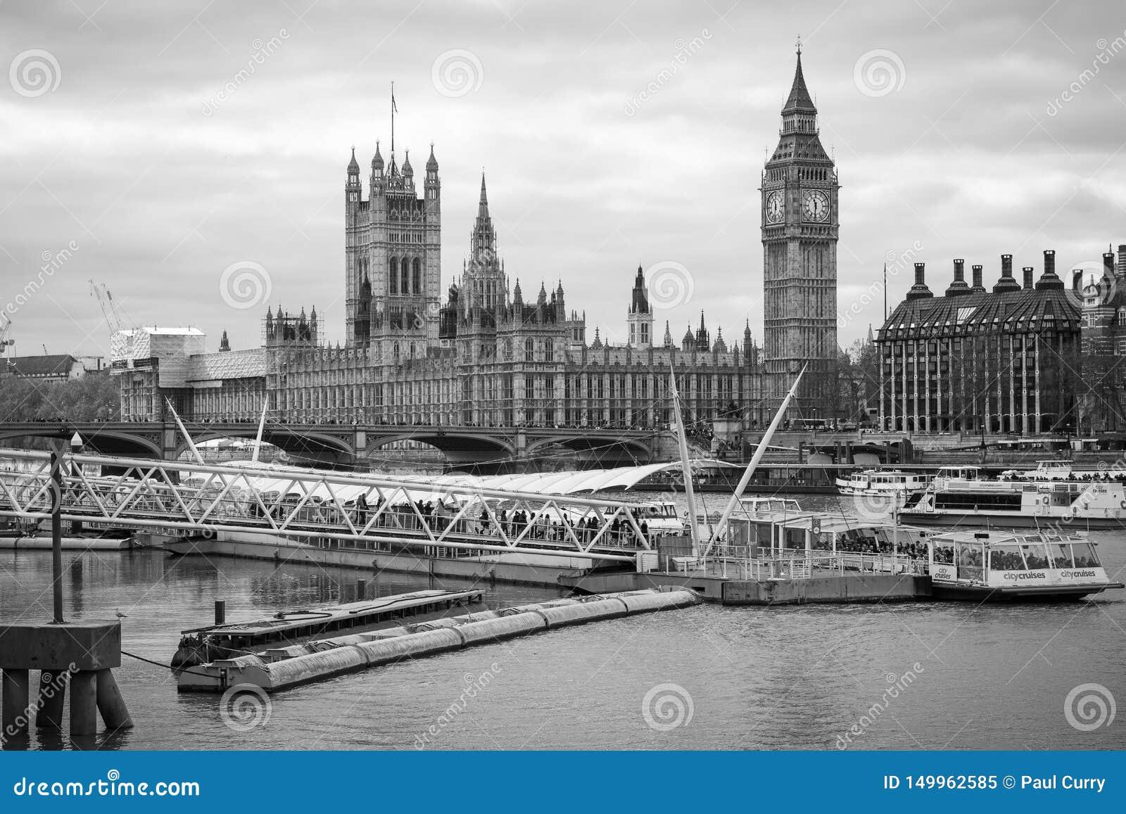 Temas & Big Ben do rio de Londres