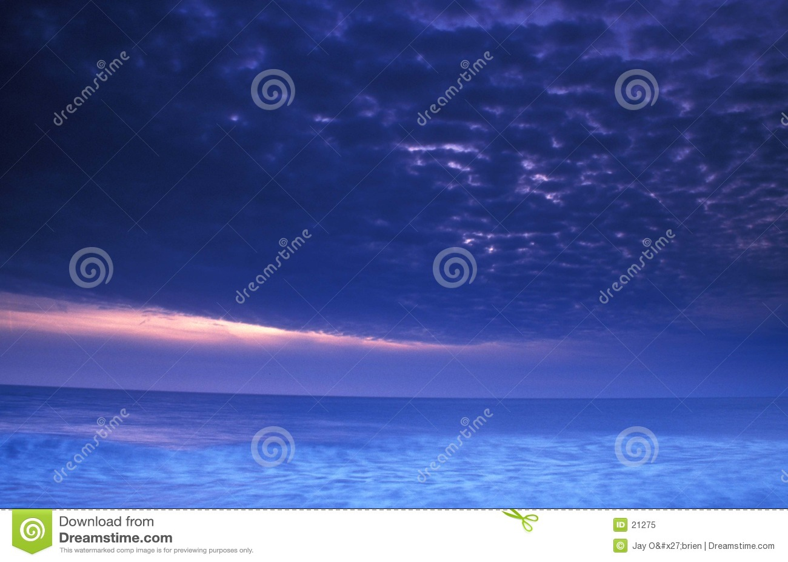 Tempête au coucher du soleil