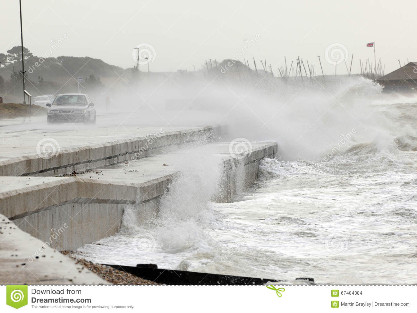 Tempête sur le bord de mer