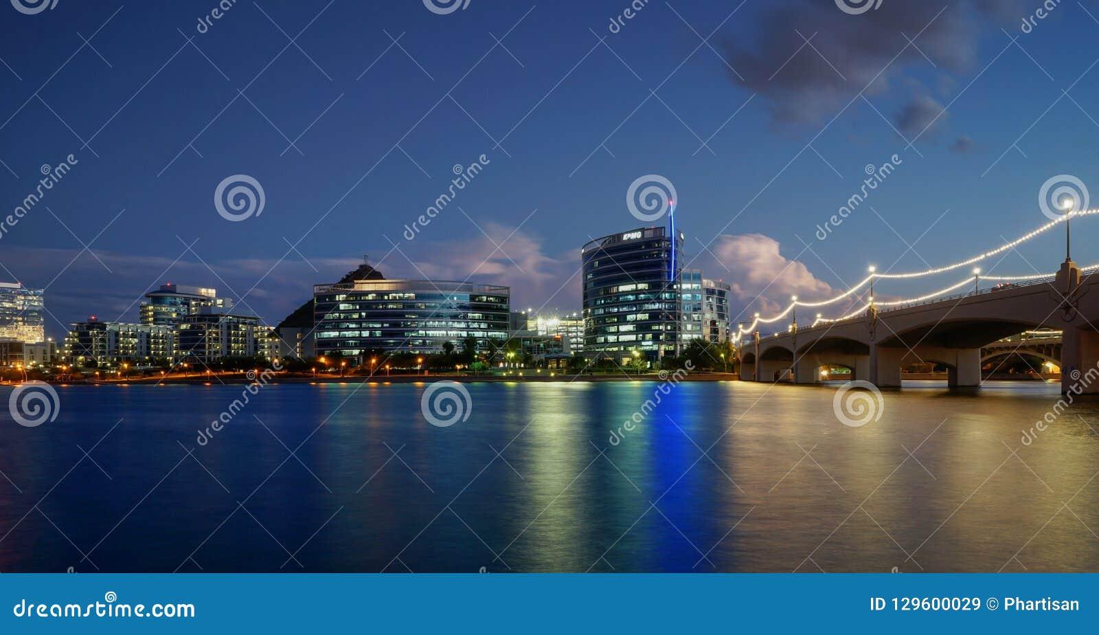 Tempe Town Lake, Az, USA-Nachtaufnahme
