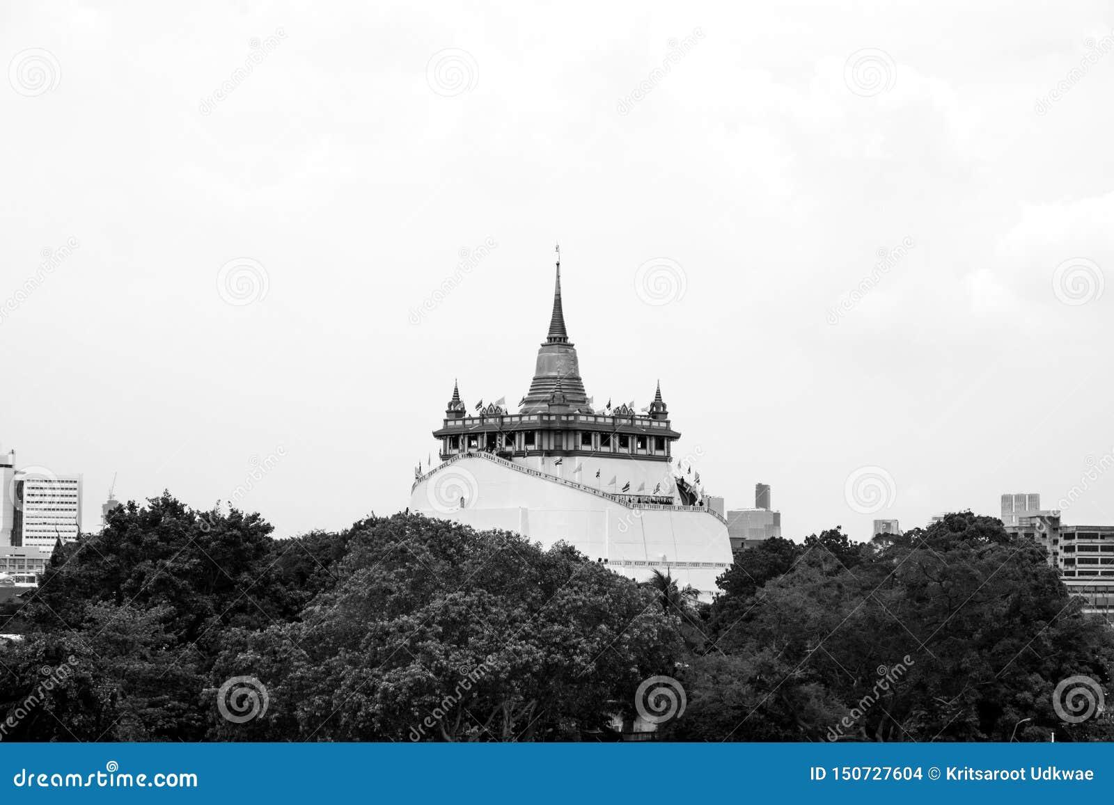 Tempel av det guld- berget eller Wat Saket med svartvit signal
