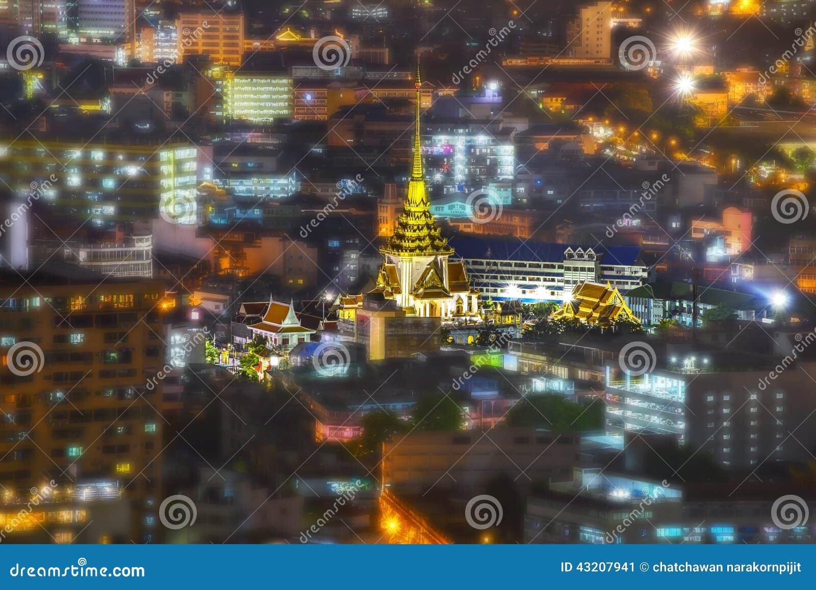 Download Tempel För Wat Trimitr Witthayaramworawiharn Fotografering för Bildbyråer - Bild av förgylla, räkning: 43207941