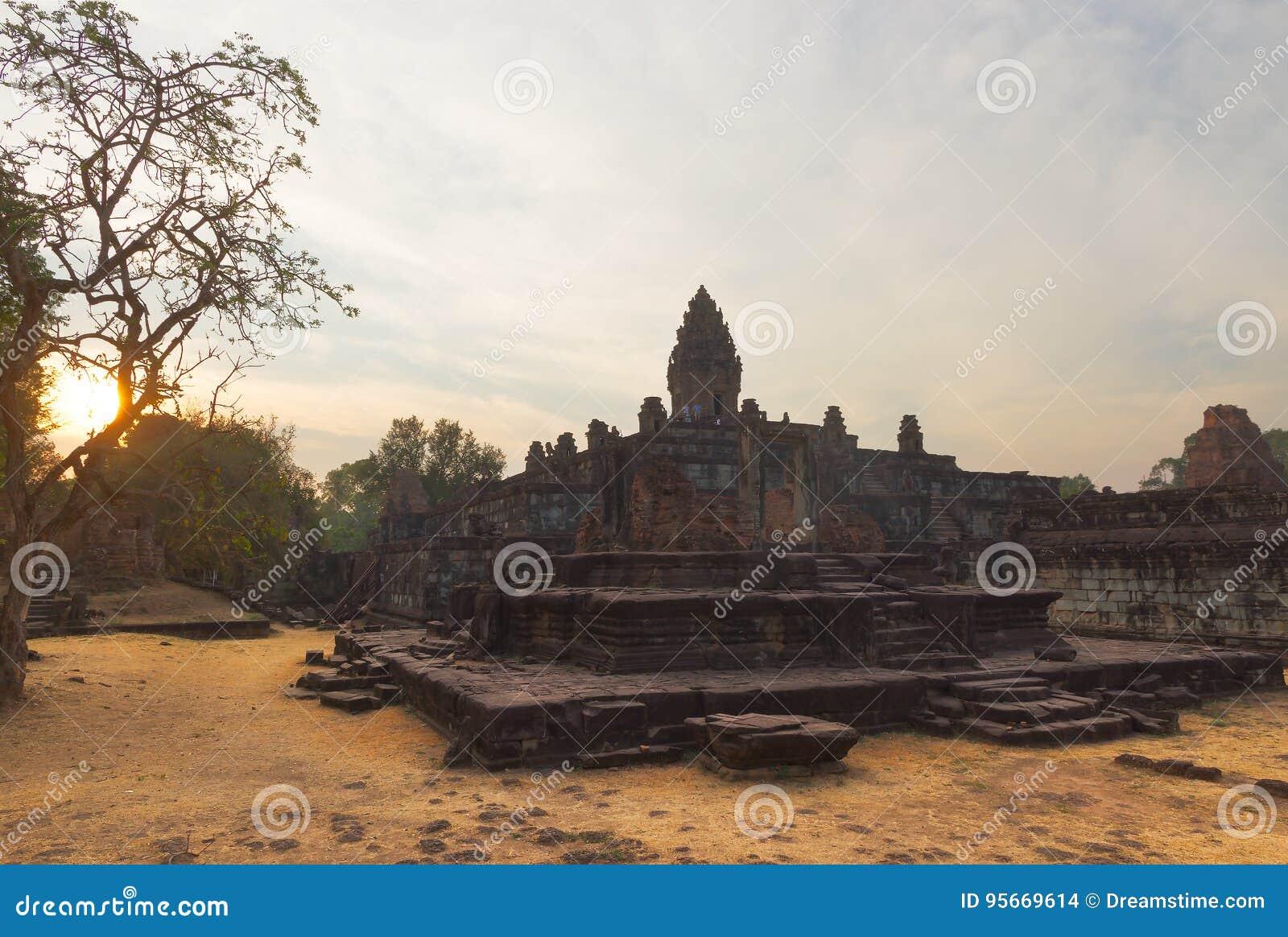 Tempel Prasat Bakong, Kambodscha