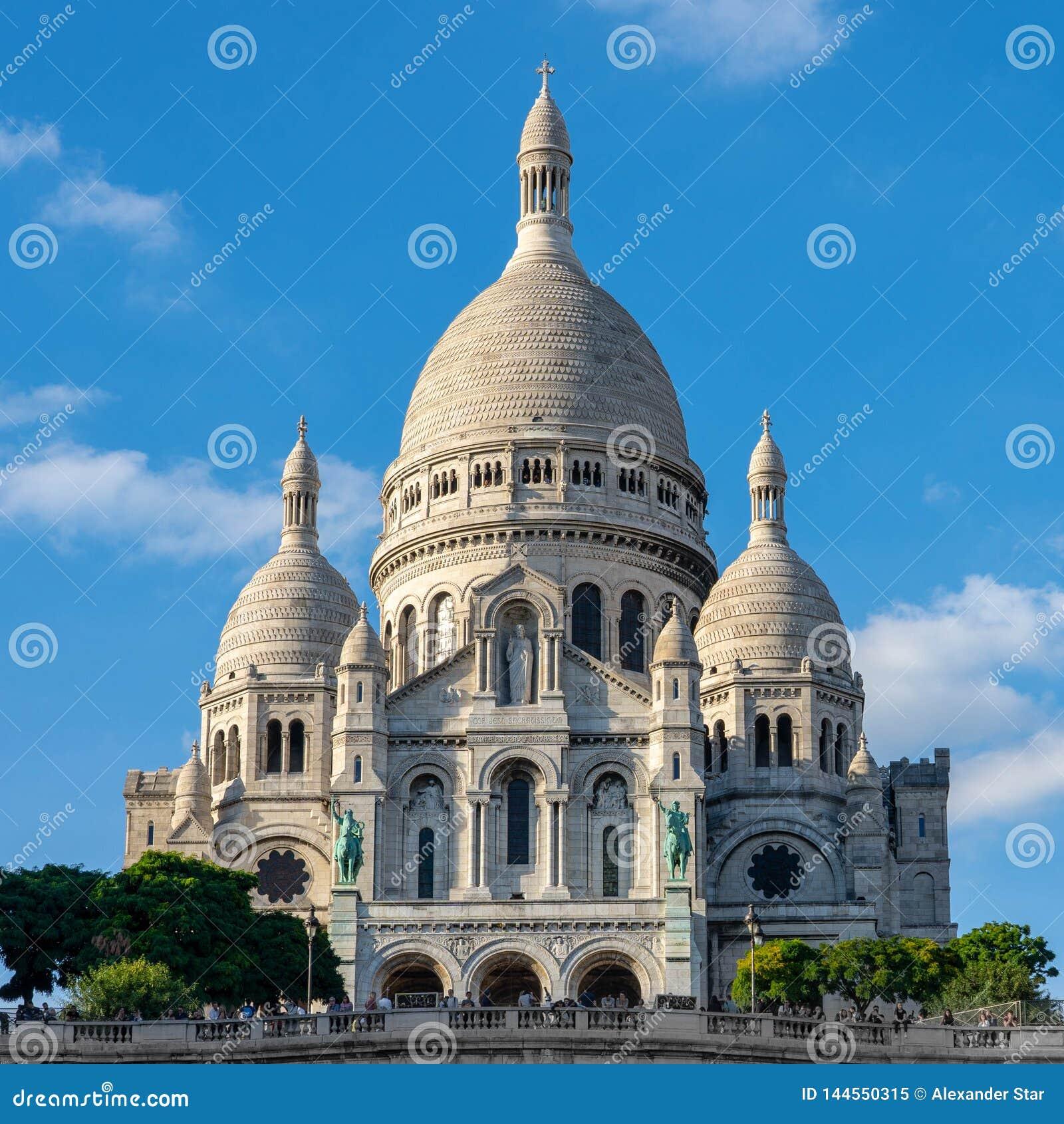 Tempel sacre-Coeur op een heuvel in Parijs Frankrijk