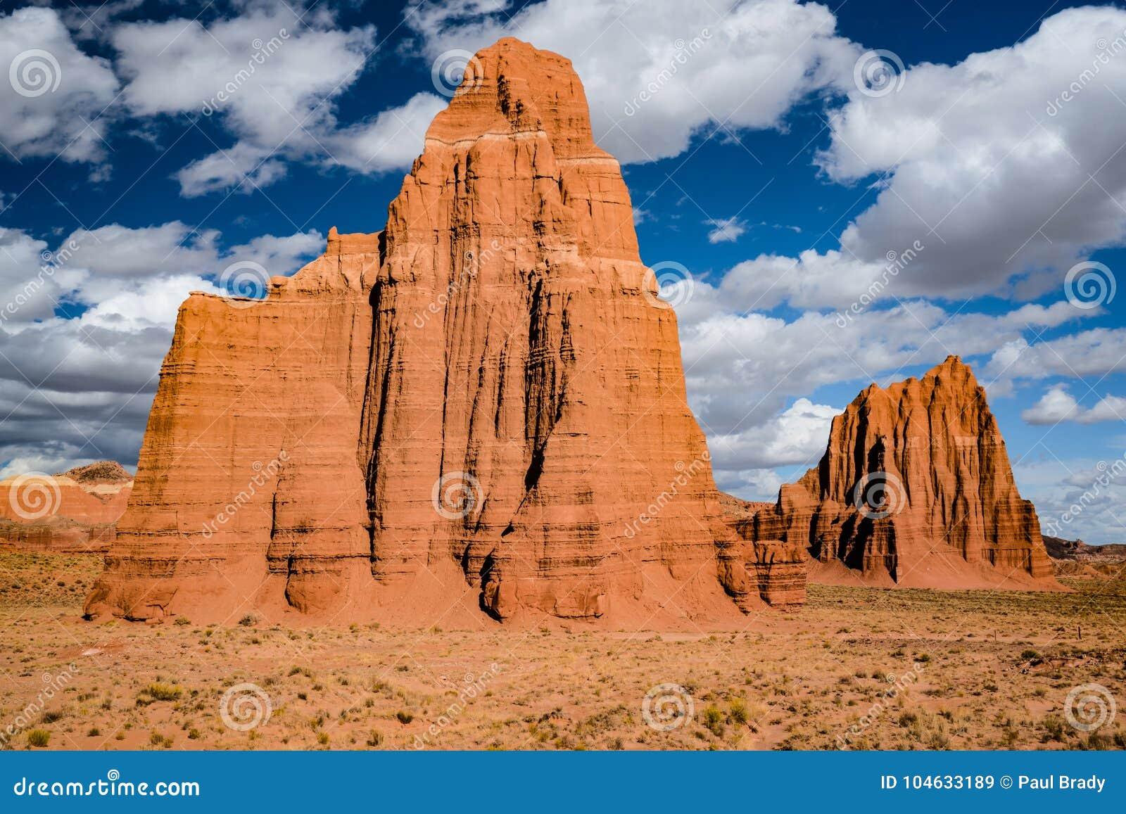 Download Tempel Van De Zon En Tempel Van De Maan Stock Afbeelding - Afbeelding bestaande uit hemel, wild: 104633189