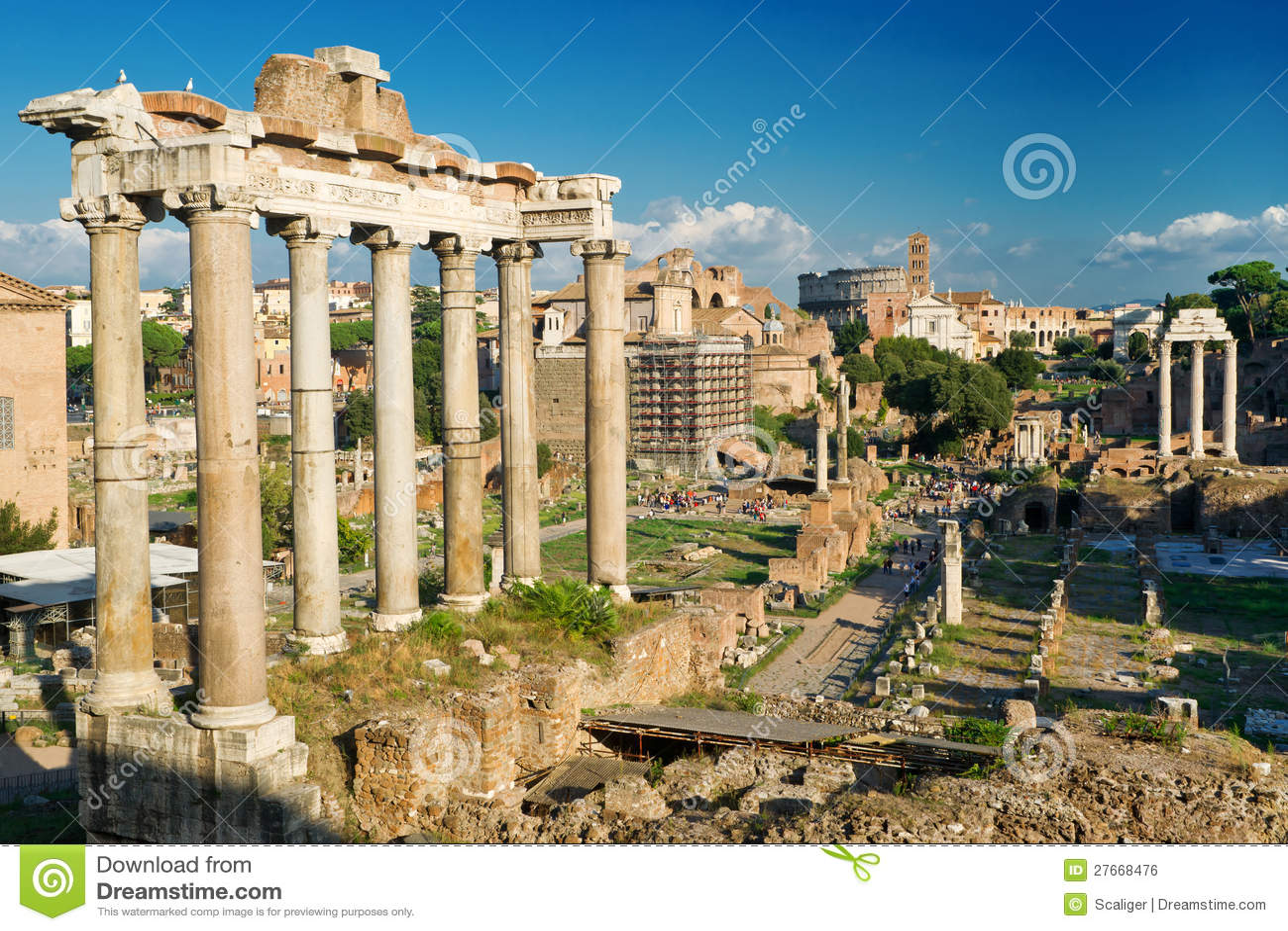 Tempel van Saturnus. Mening van het Roman Forum in Rome