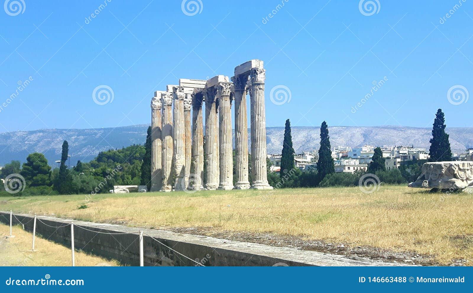 Tempel van zeus in Athen in Griekenland op Vakantie